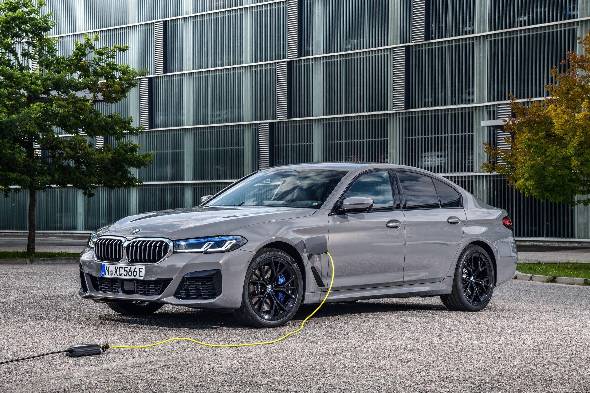 BMW-545e-xDrive-9