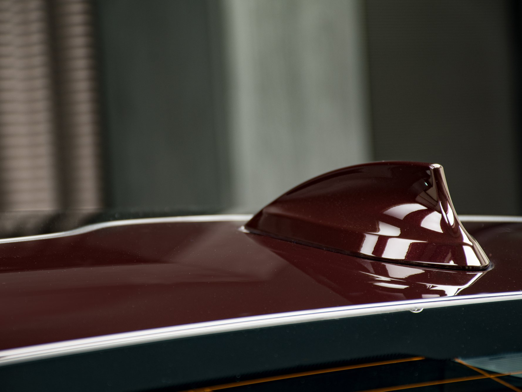 2020_BMW_750Li_Royal_Burgundy_Red_0026