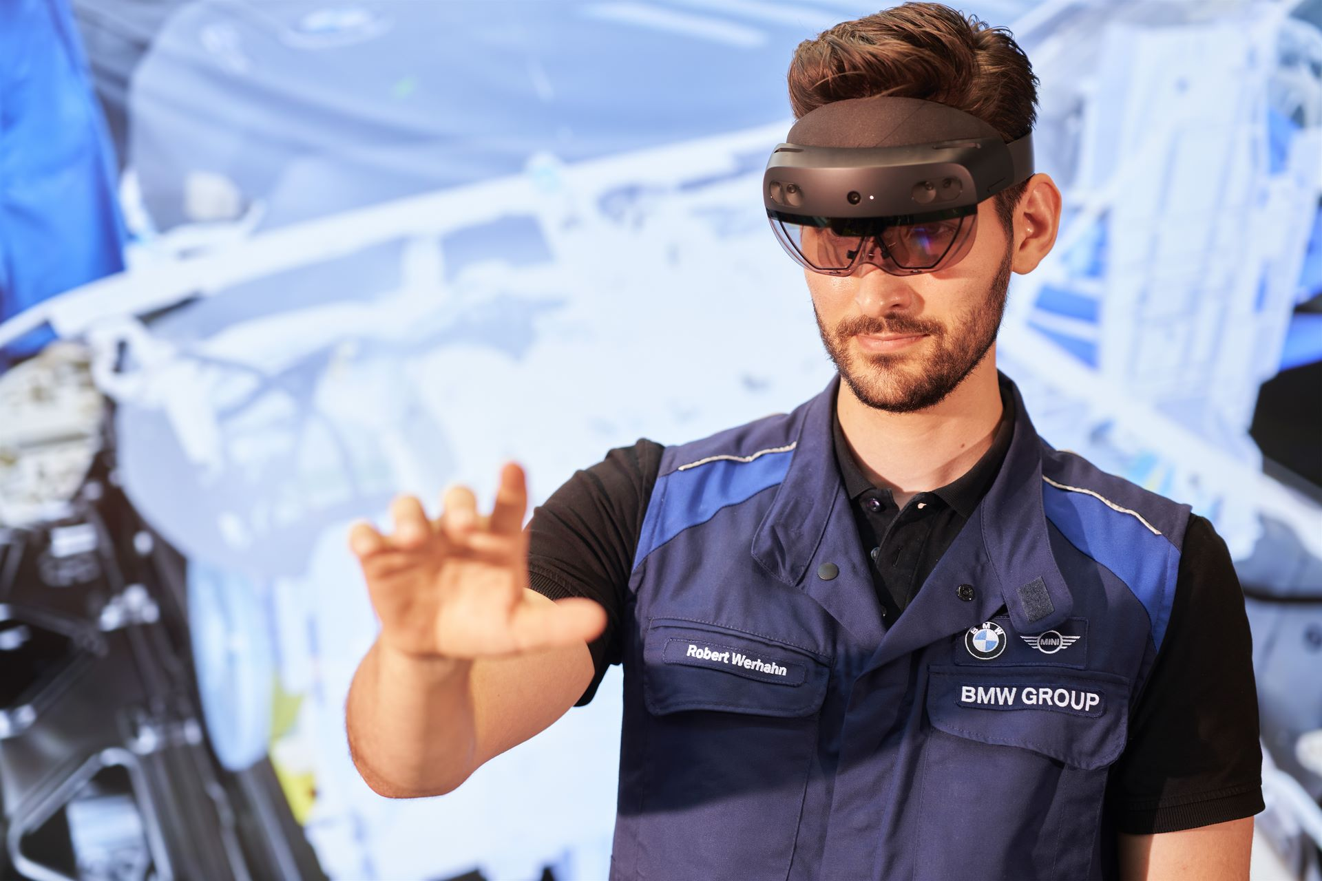 BMW-Group-Augmented-Reality-9