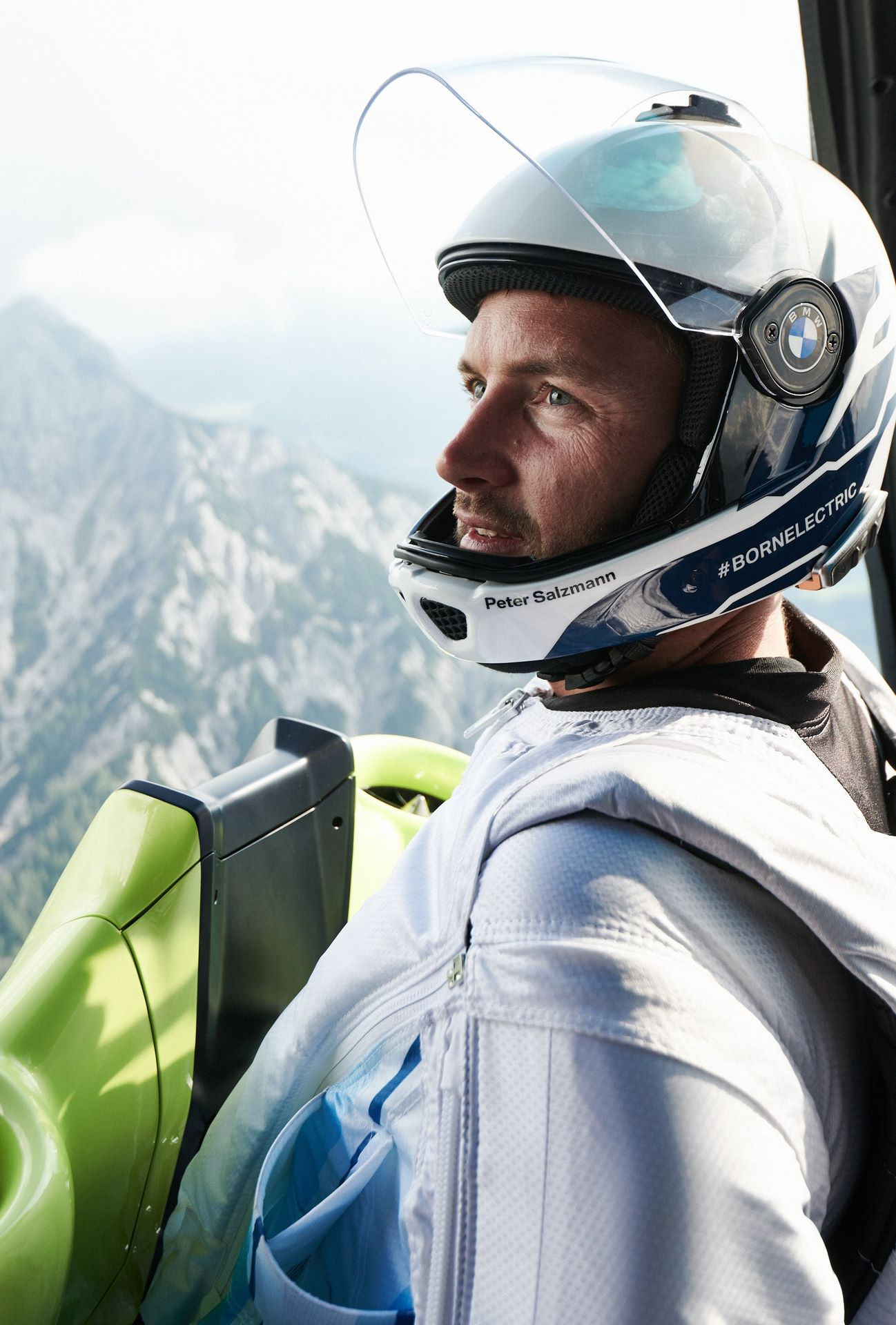 BMW-i-Wingsuit-10