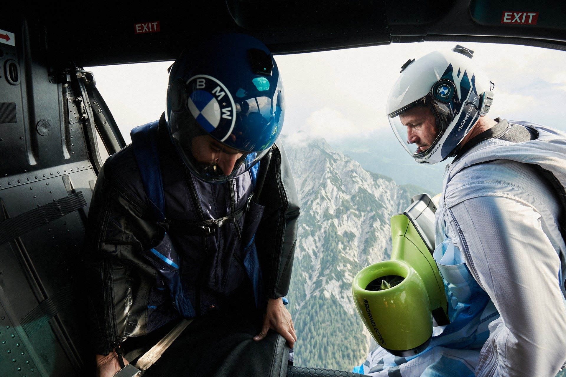 BMW-i-Wingsuit-11