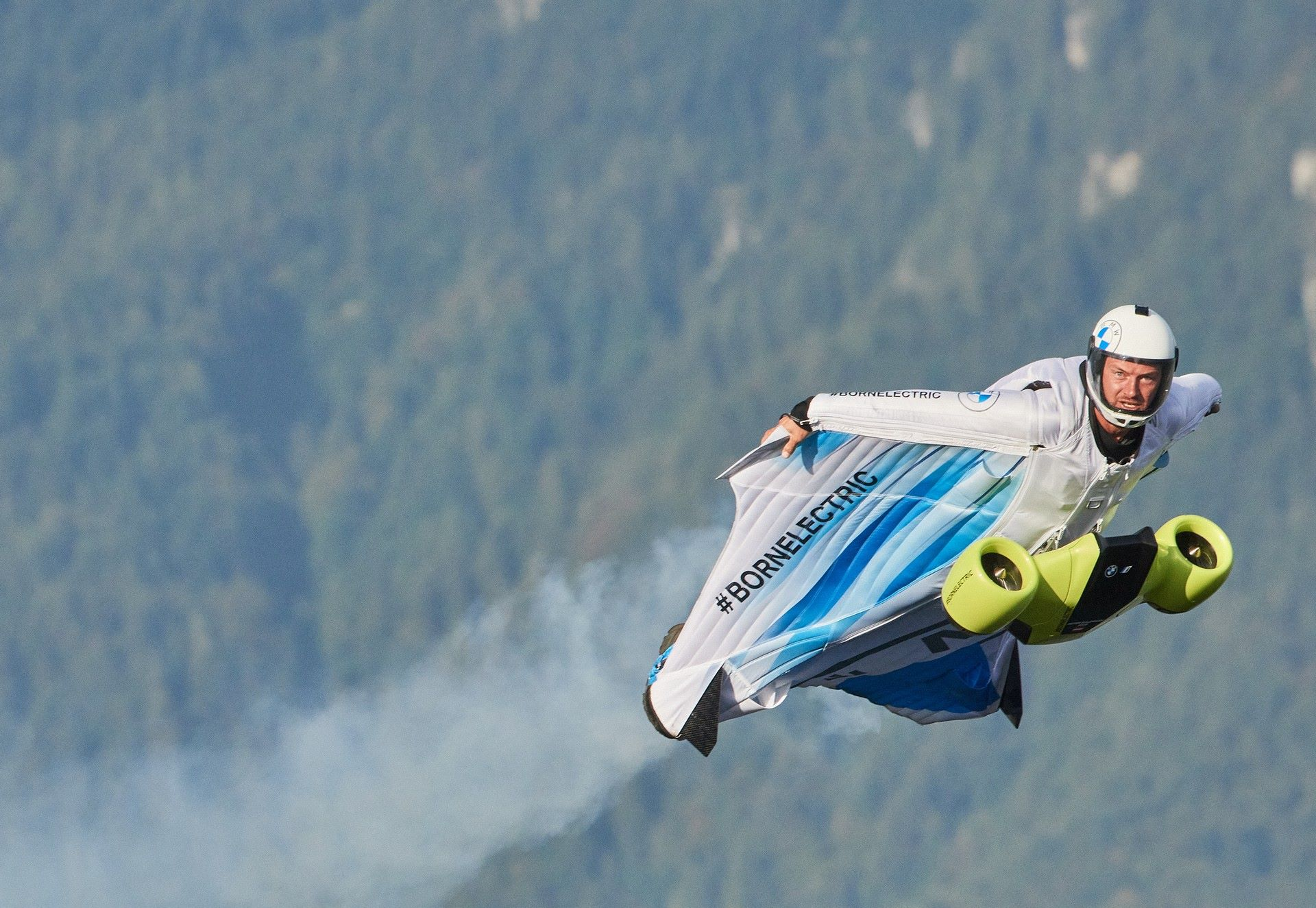 BMW-i-Wingsuit-7
