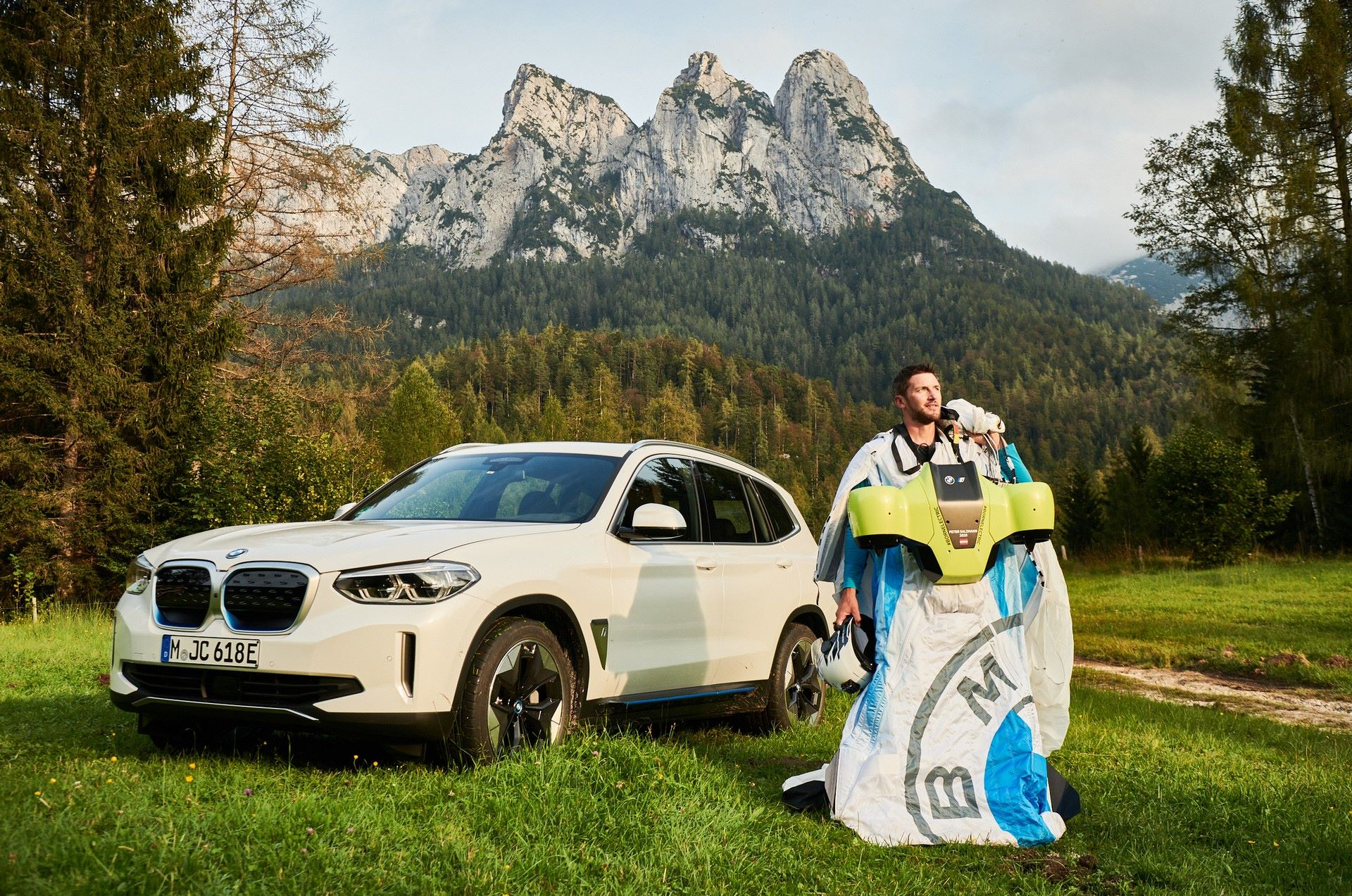 BMW-i-Wingsuit-9