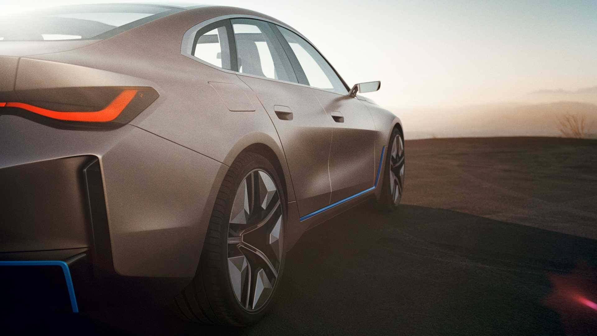 BMW-i4-Concept-photos-leaked-13