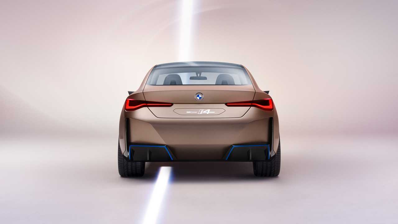 BMW-i4-Concept-photos-leaked-6
