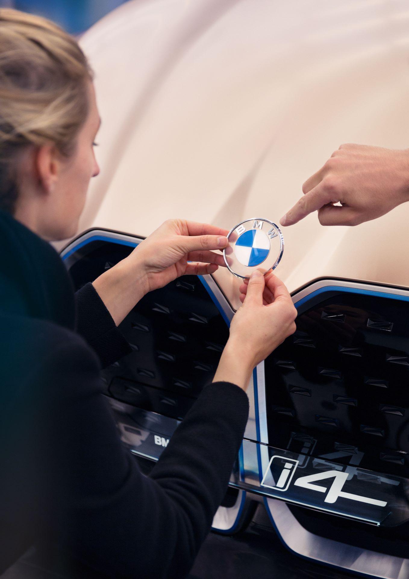 BMW-i4-concept-55