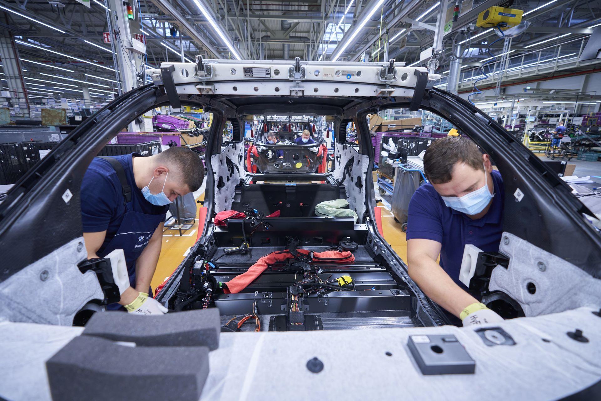 BMW-i8-plant-production-10