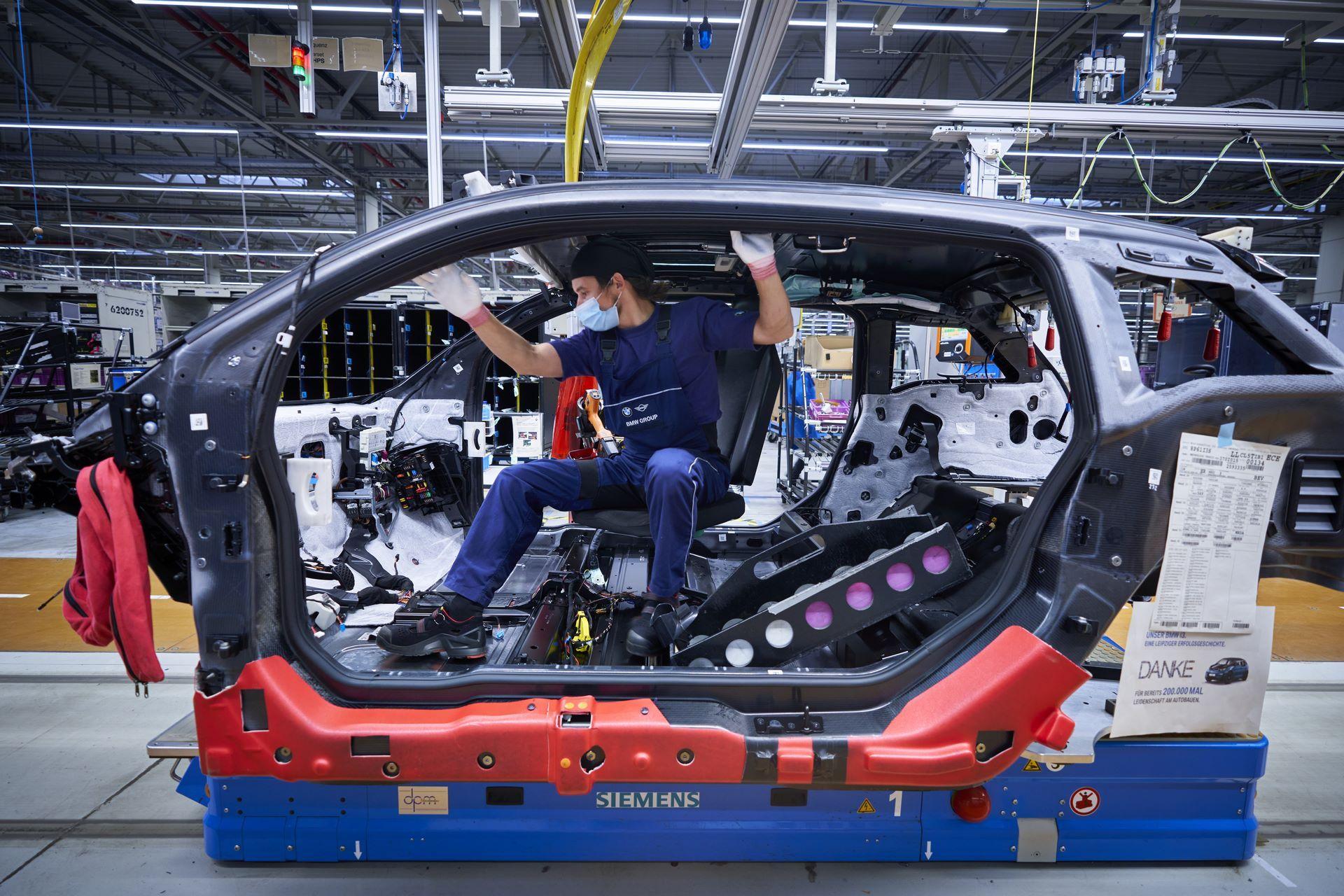 BMW-i8-plant-production-14
