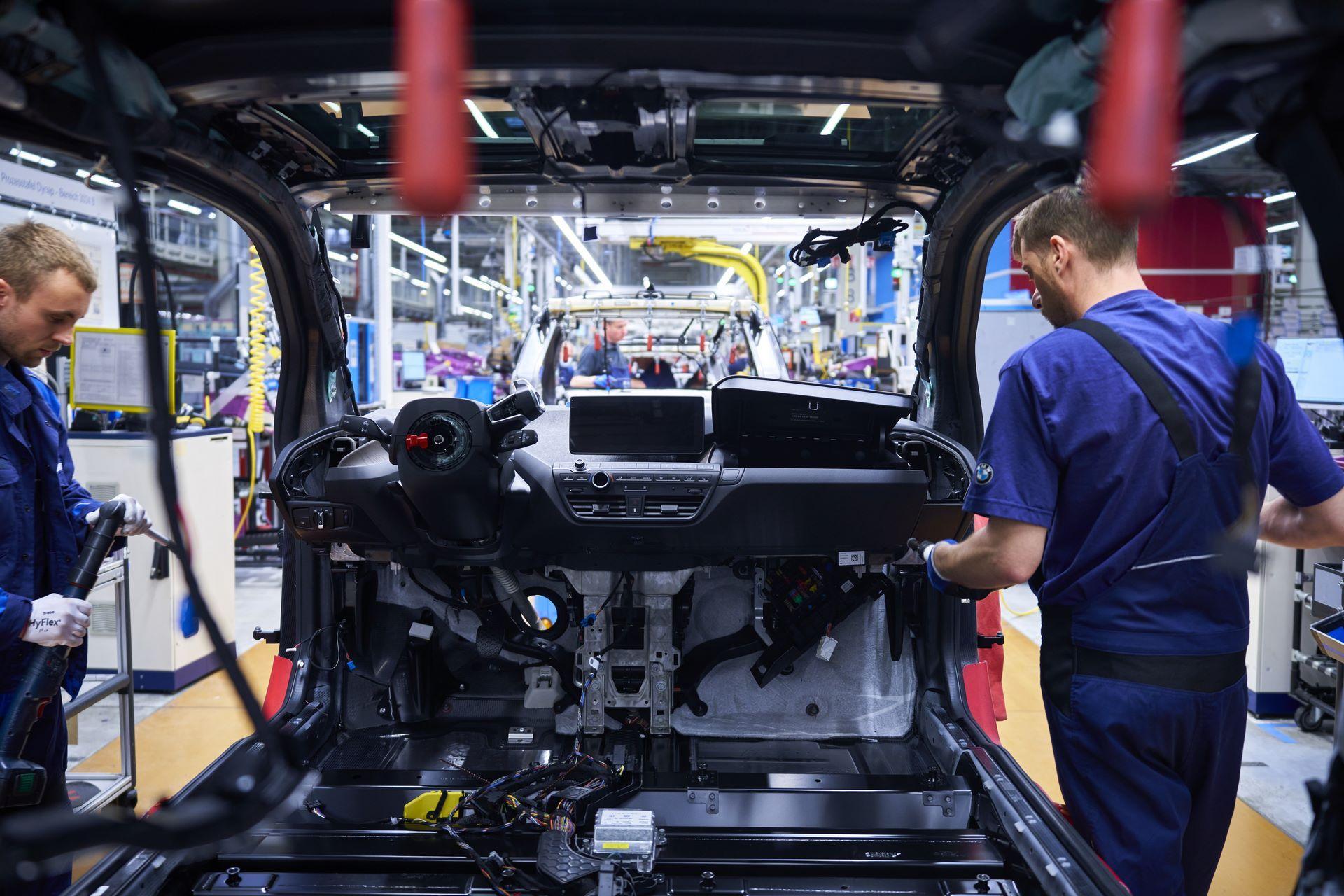 BMW-i8-plant-production-17