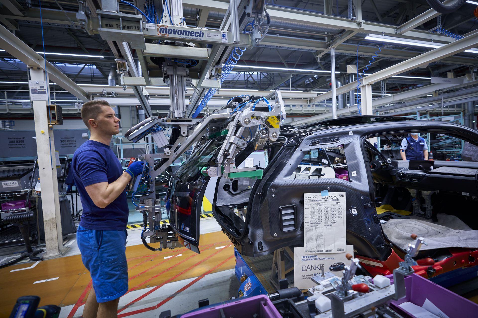 BMW-i8-plant-production-18