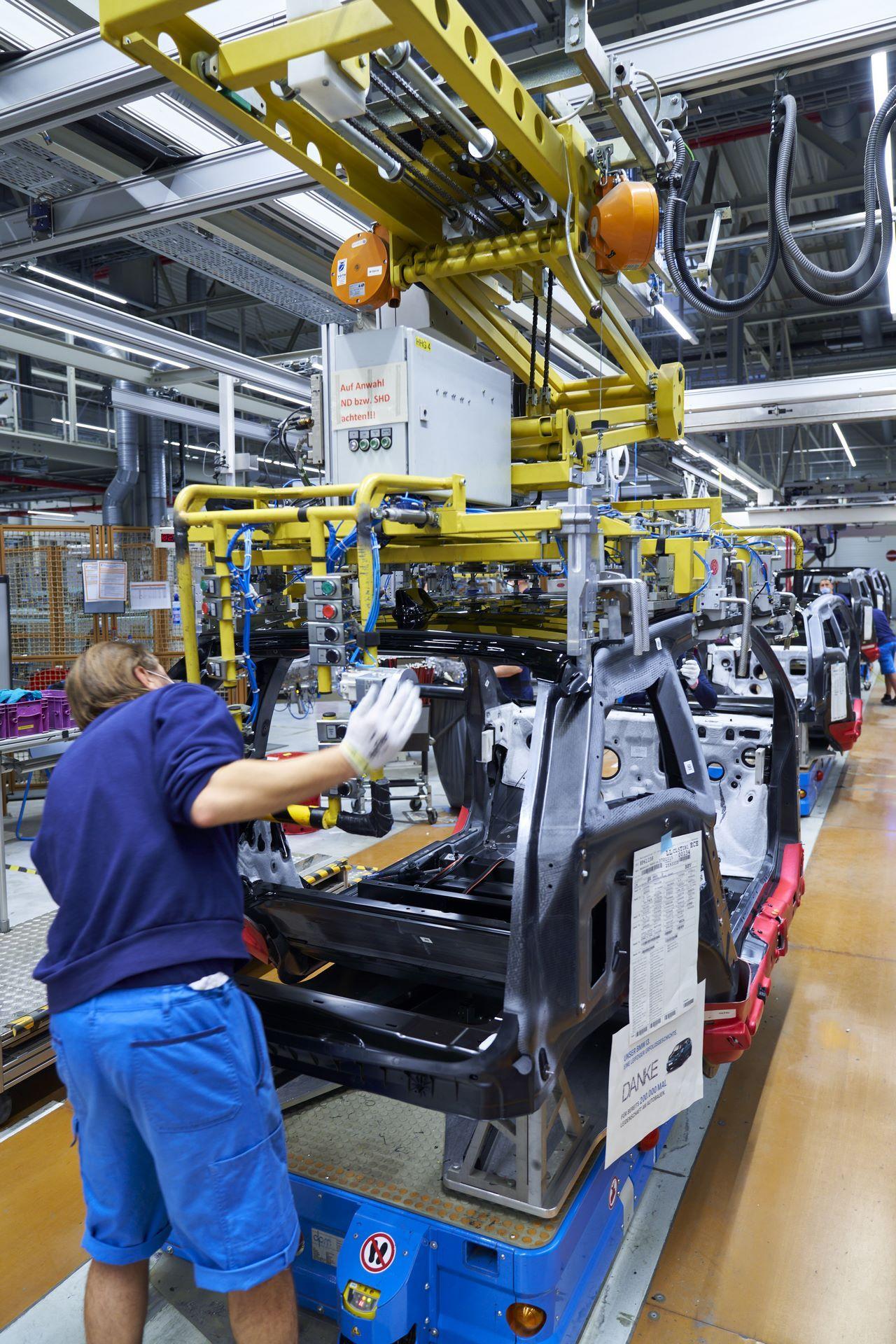 BMW-i8-plant-production-2
