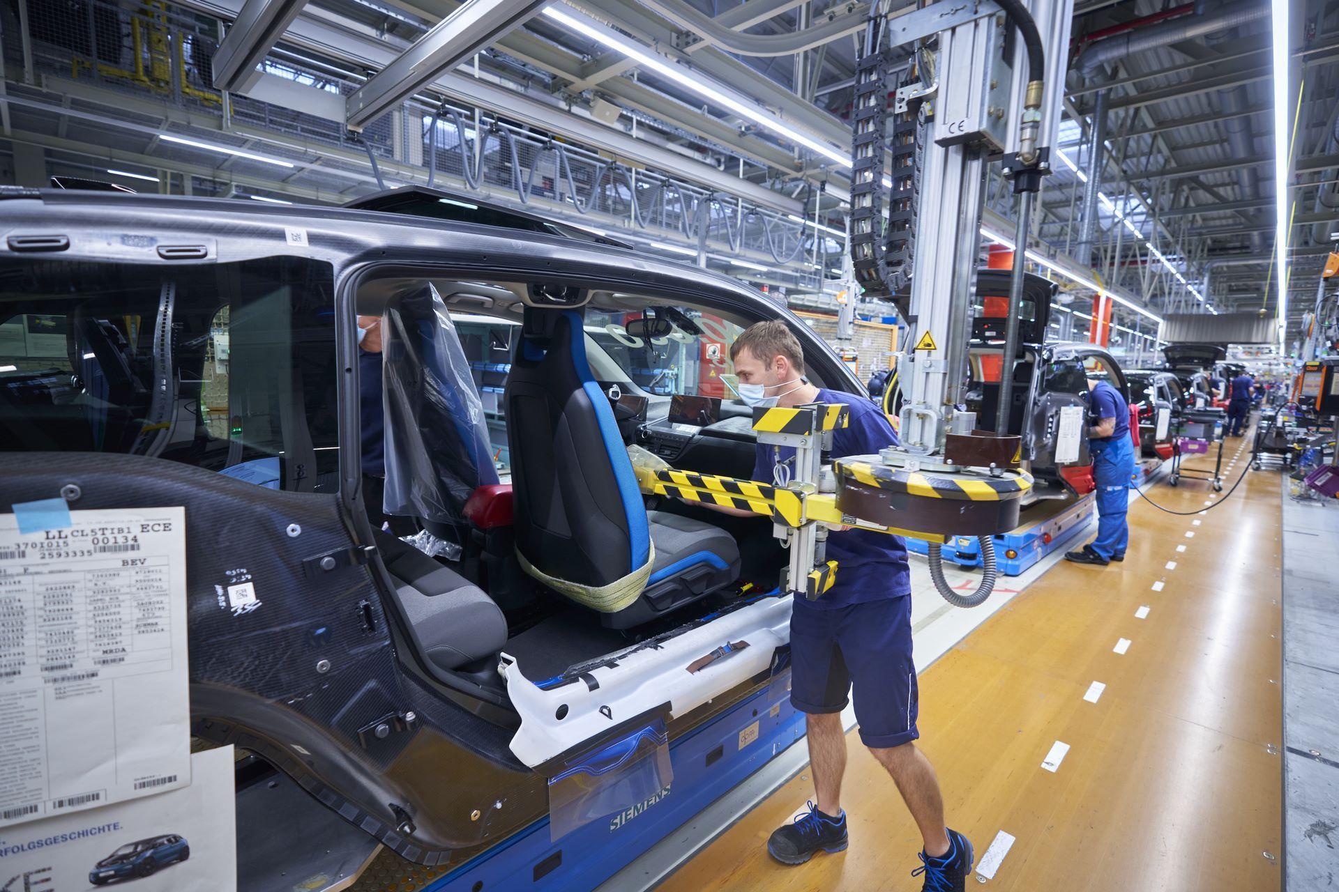 BMW-i8-plant-production-22