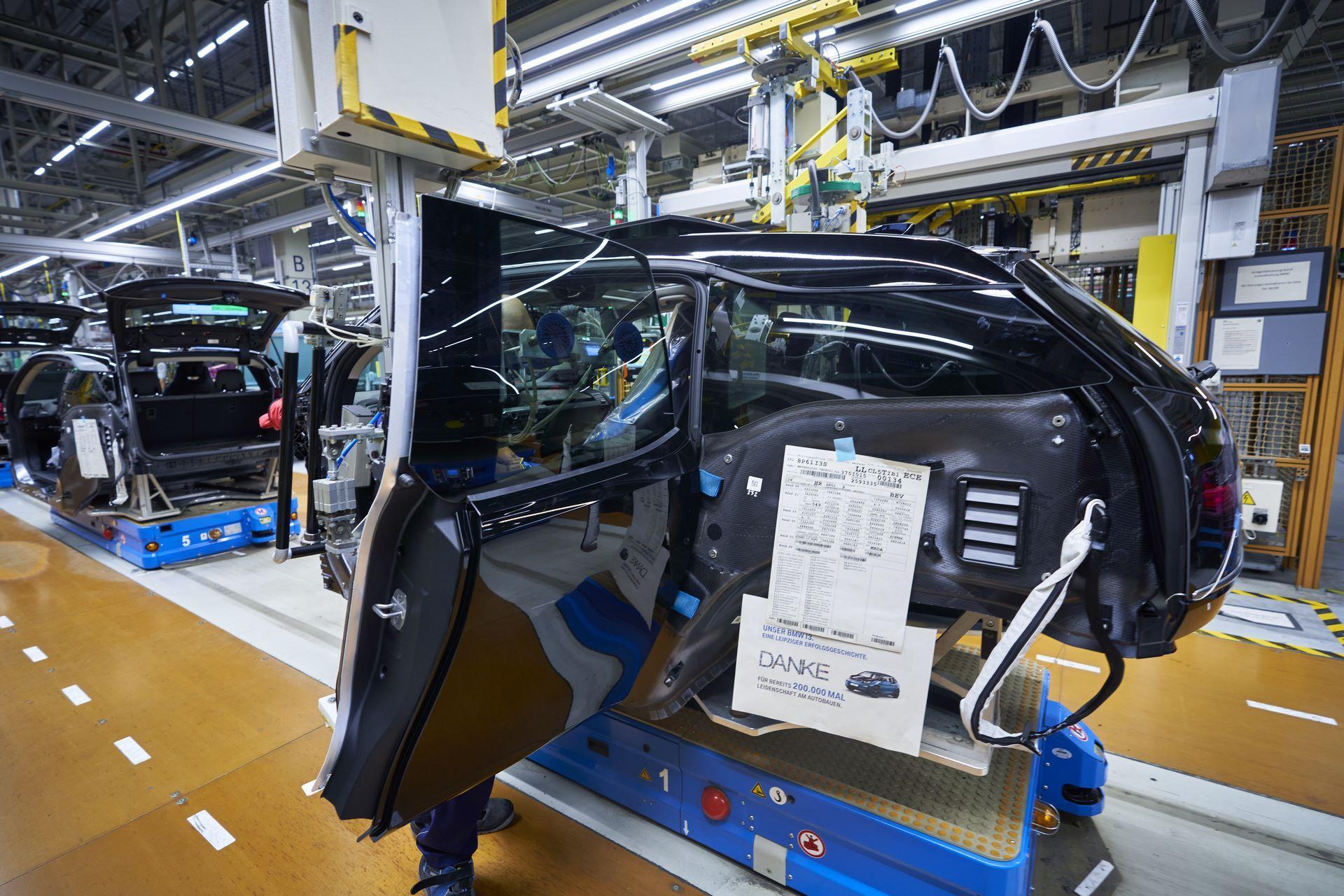 BMW-i8-plant-production-23