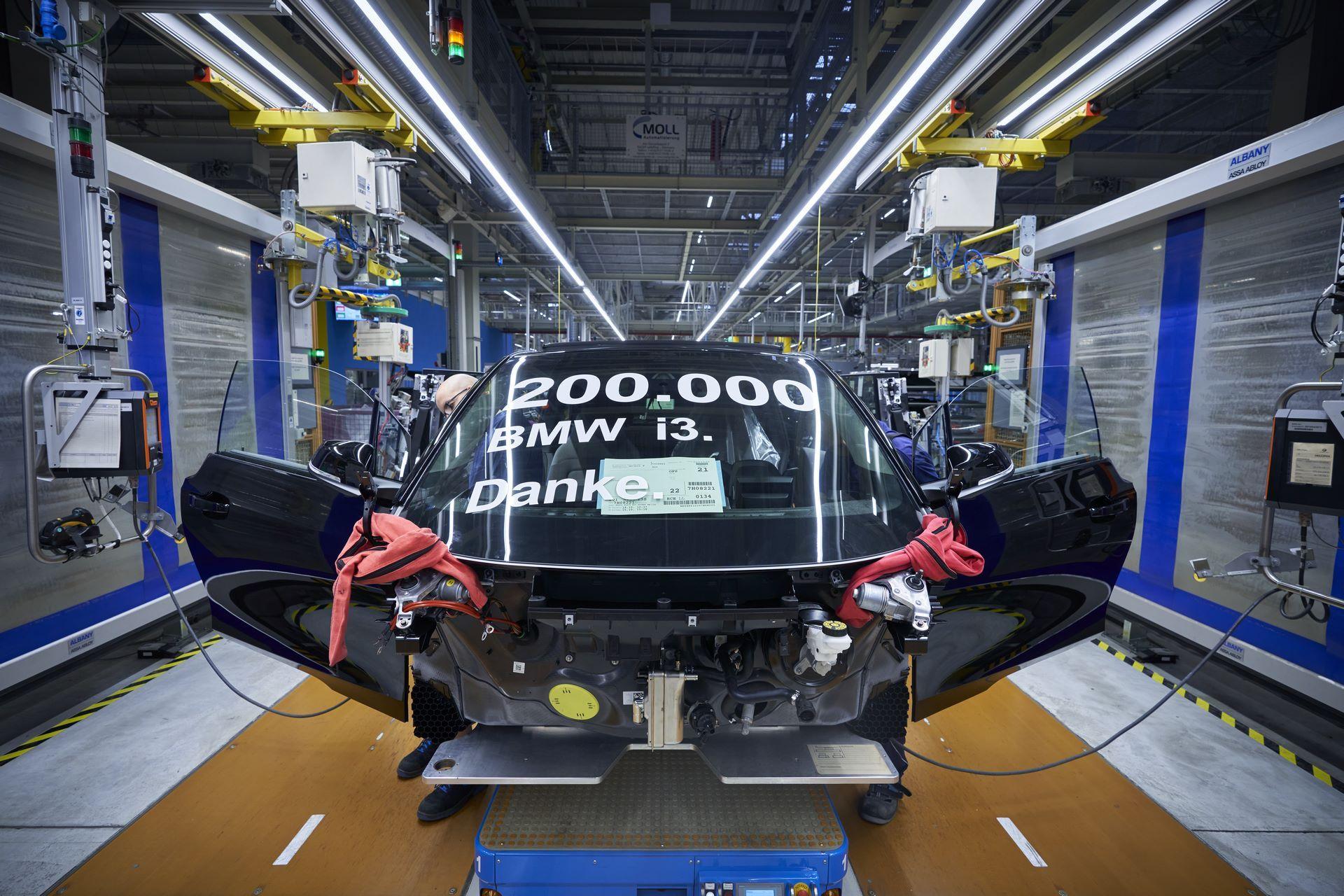 BMW-i8-plant-production-25