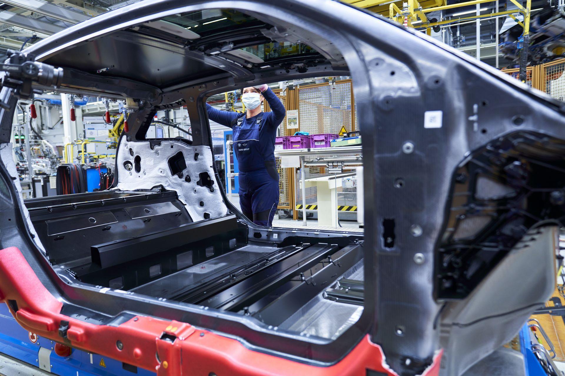 BMW-i8-plant-production-3