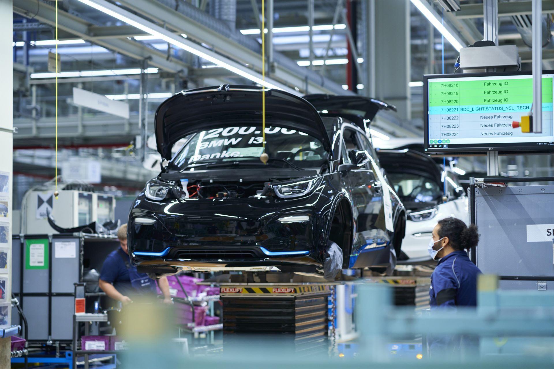 BMW-i8-plant-production-37