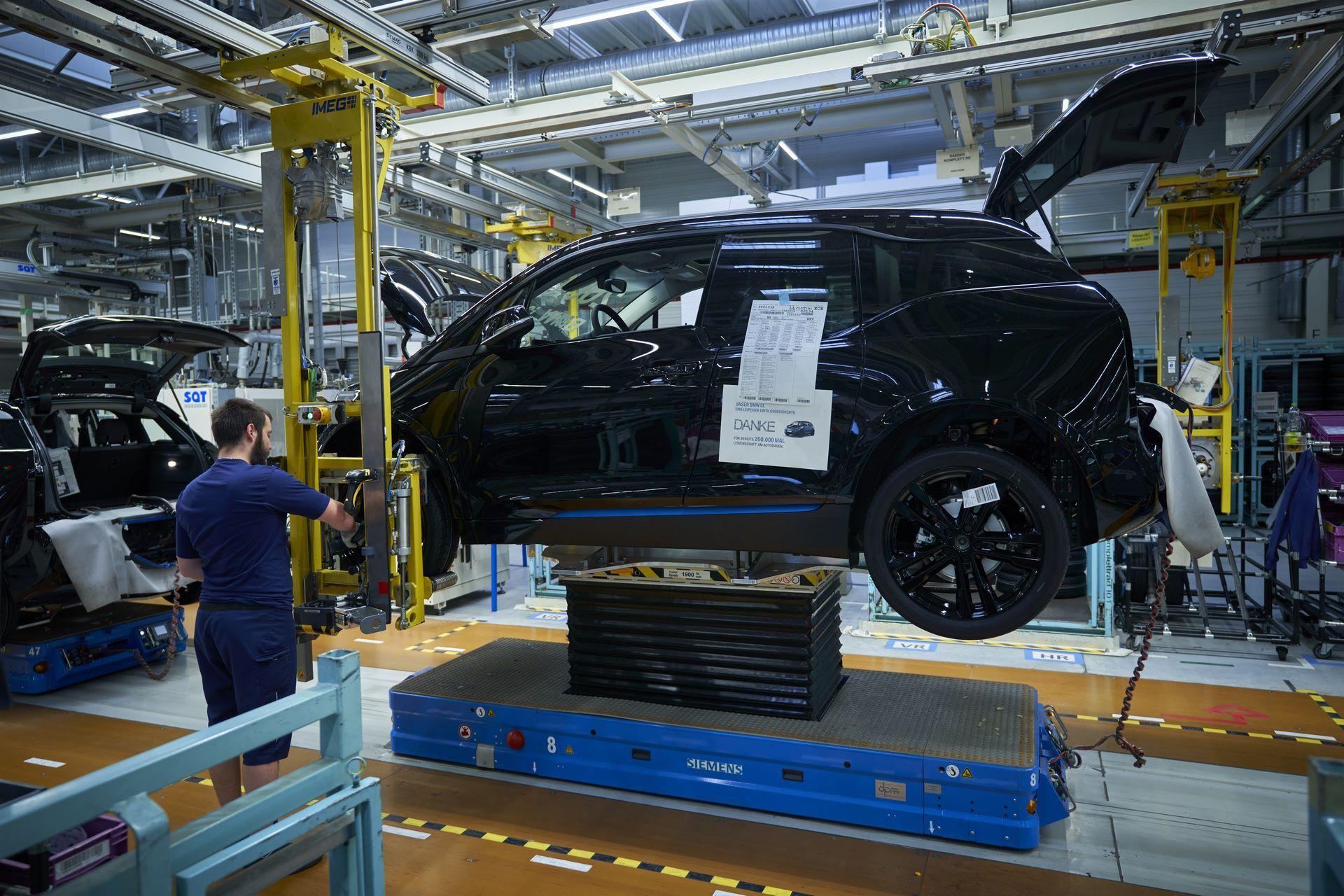 BMW-i8-plant-production-39