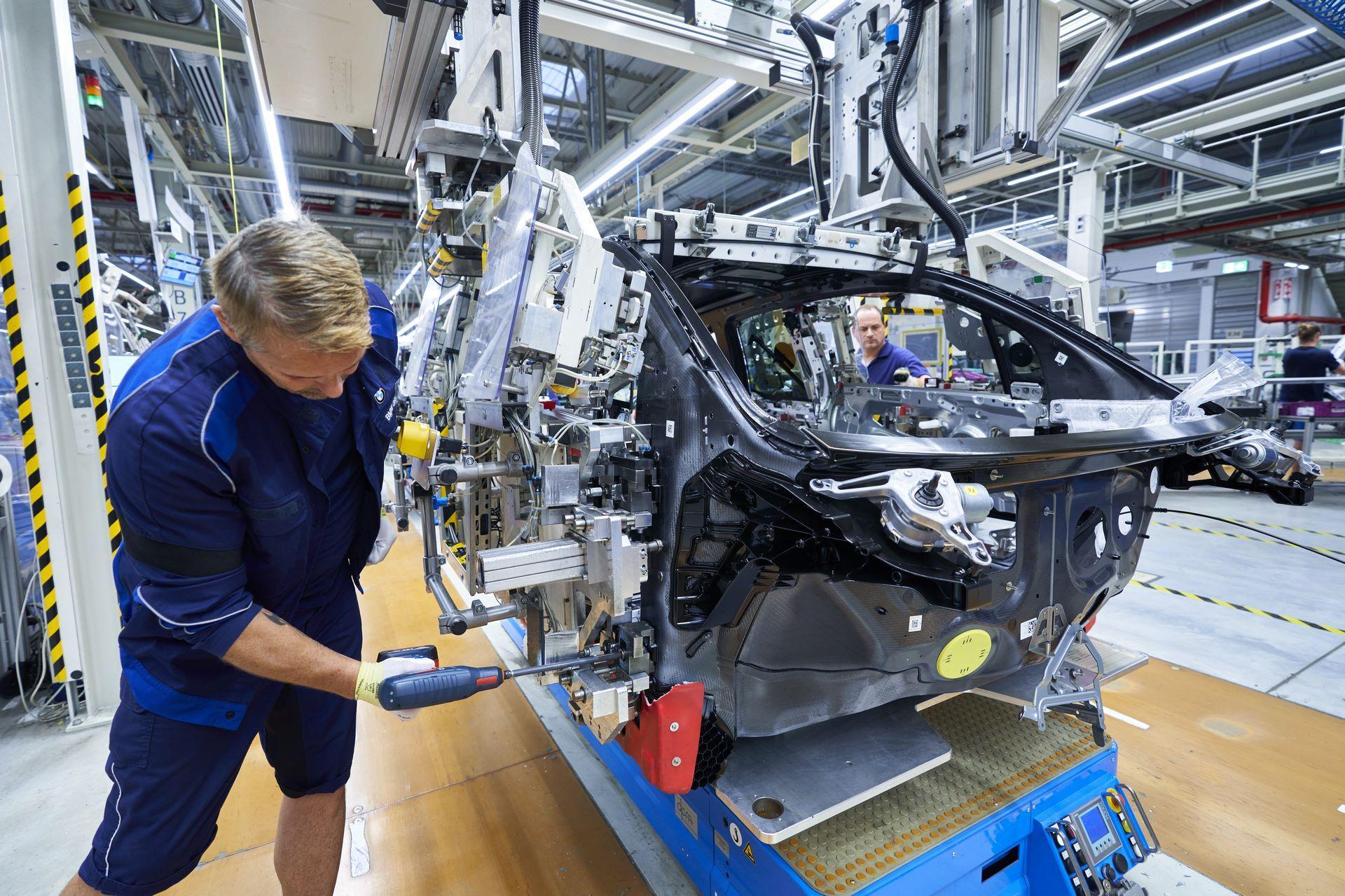 BMW-i8-plant-production-4