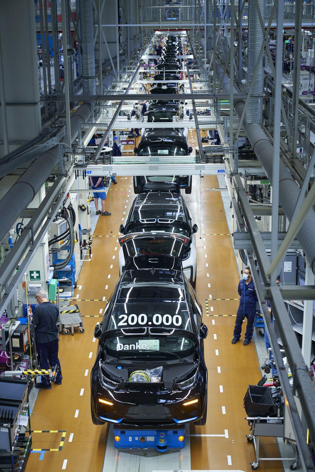 BMW-i8-plant-production-40