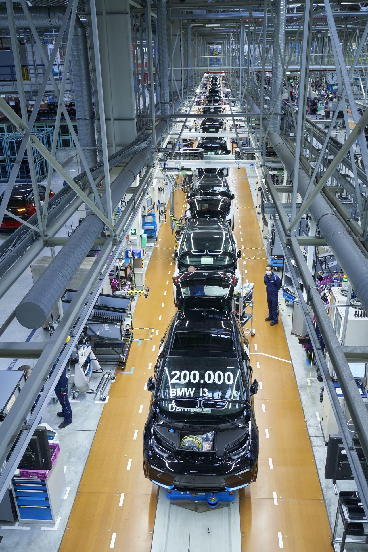 BMW-i8-plant-production-41