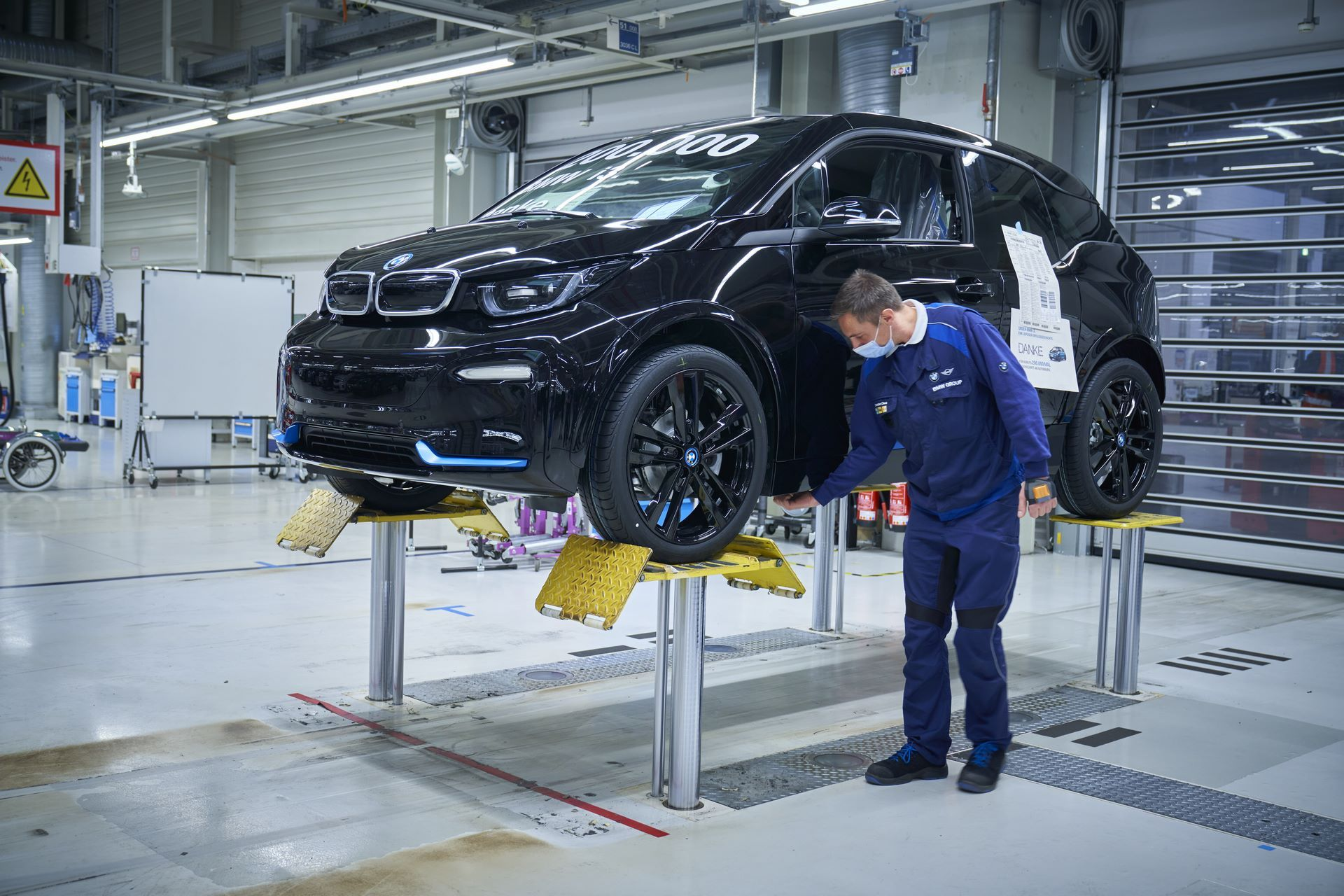BMW-i8-plant-production-44