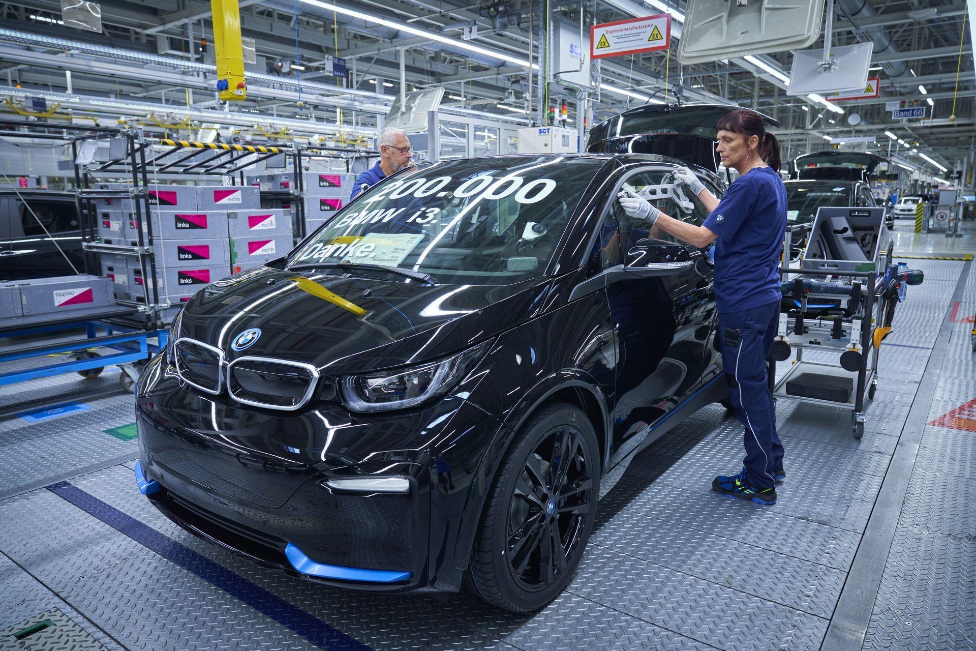 BMW-i8-plant-production-45
