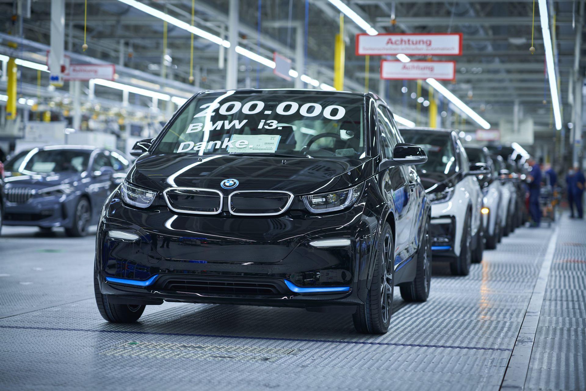 BMW-i8-plant-production-48
