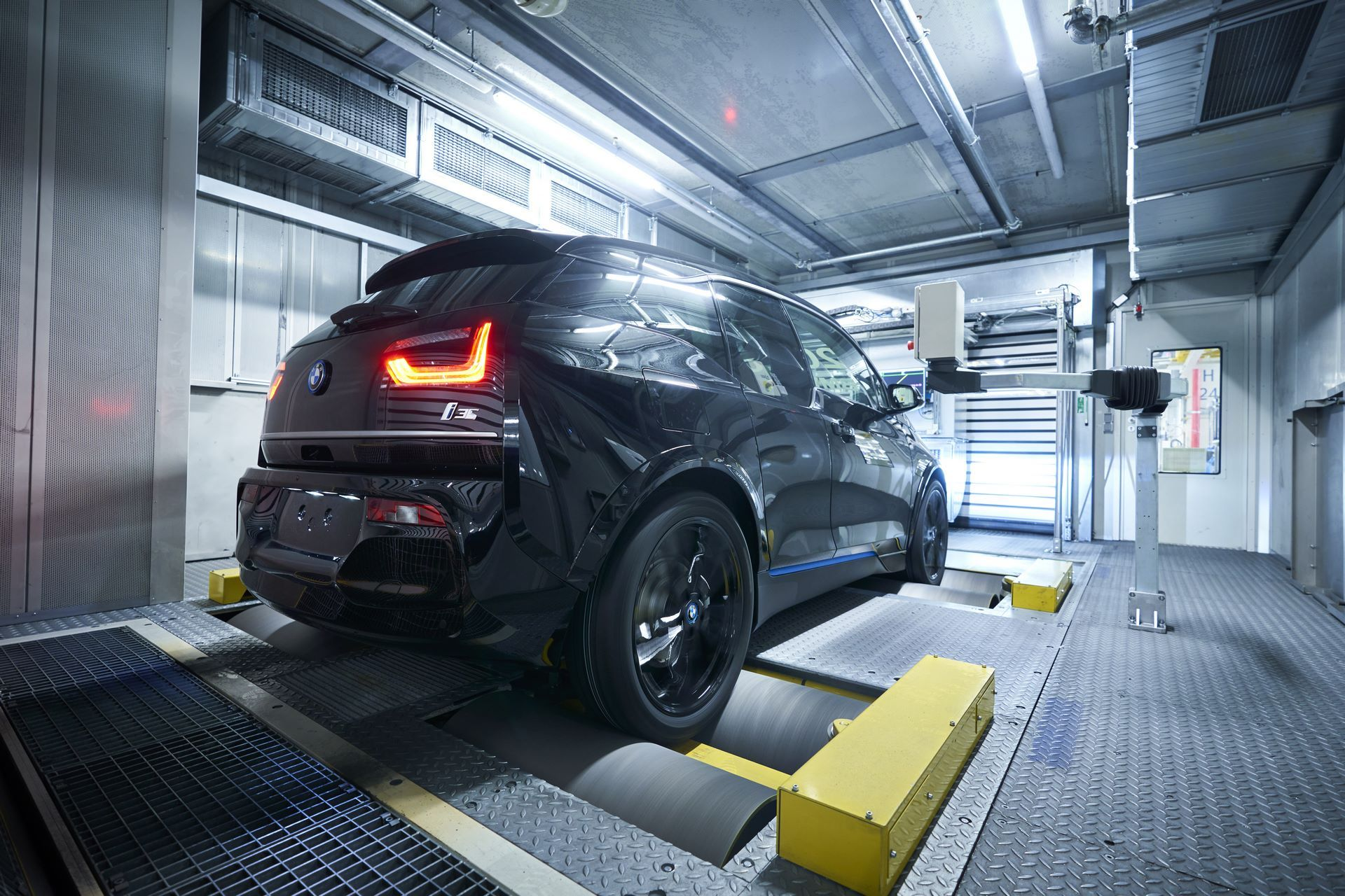 BMW-i8-plant-production-52