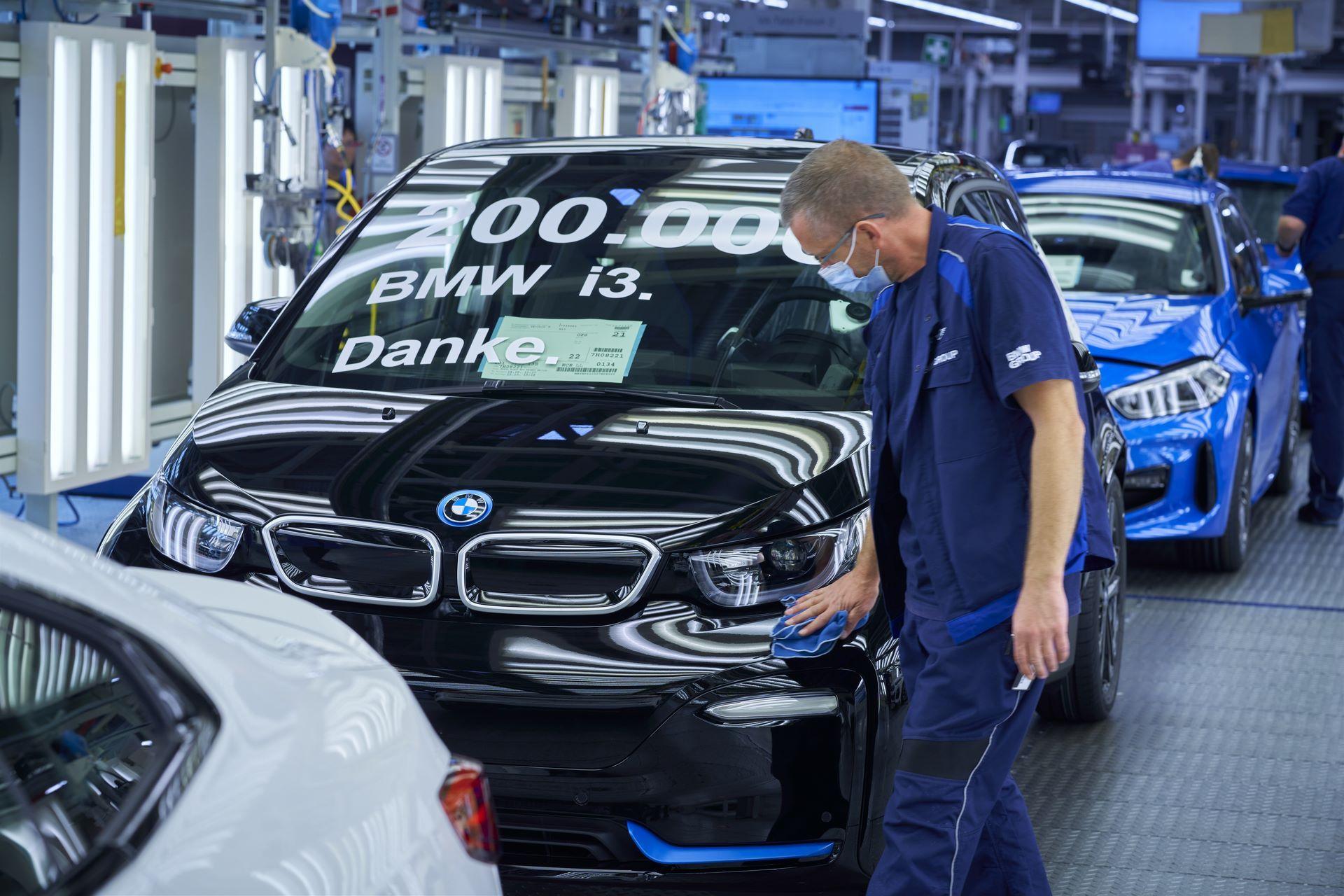 BMW-i8-plant-production-54