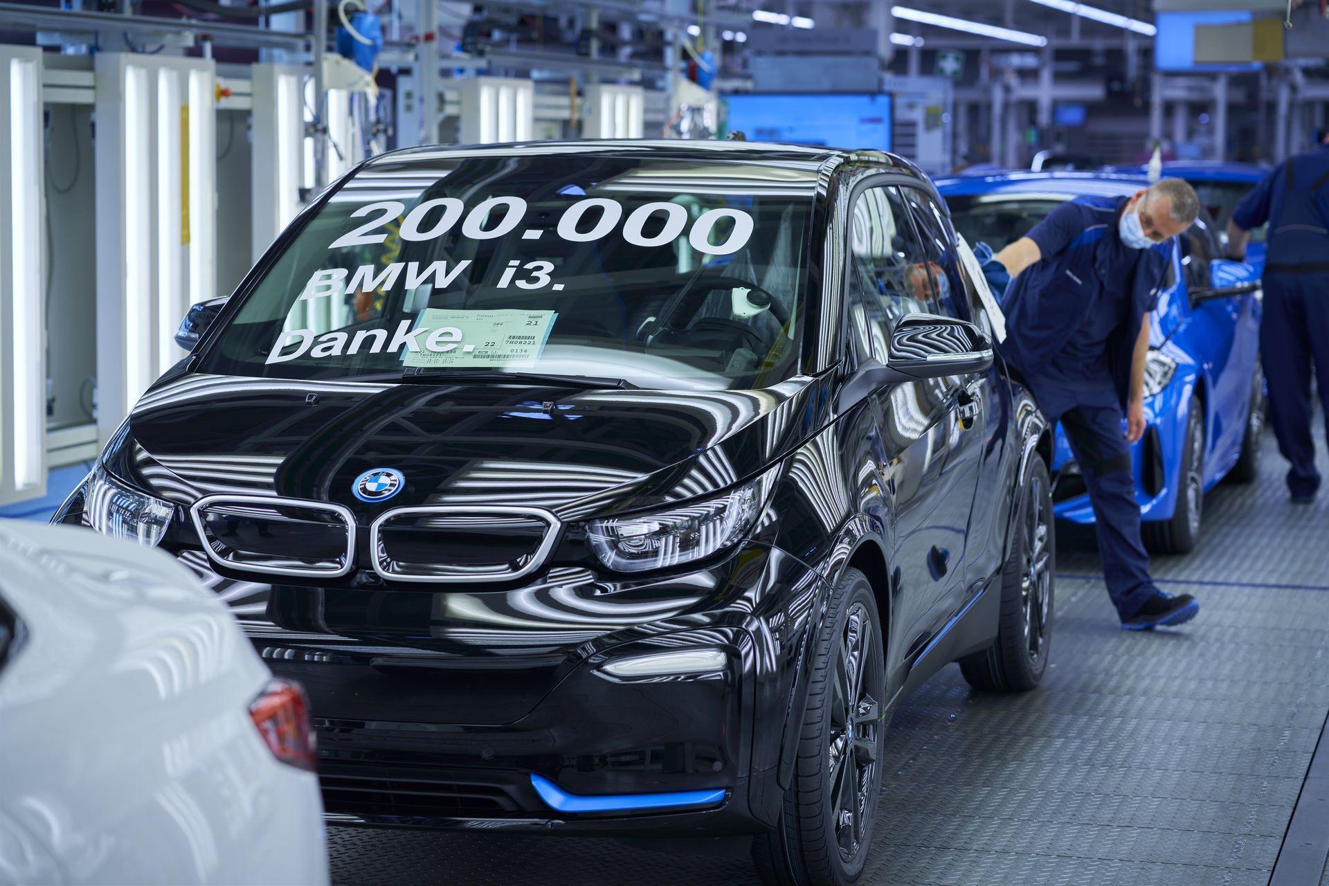 BMW-i8-plant-production-55