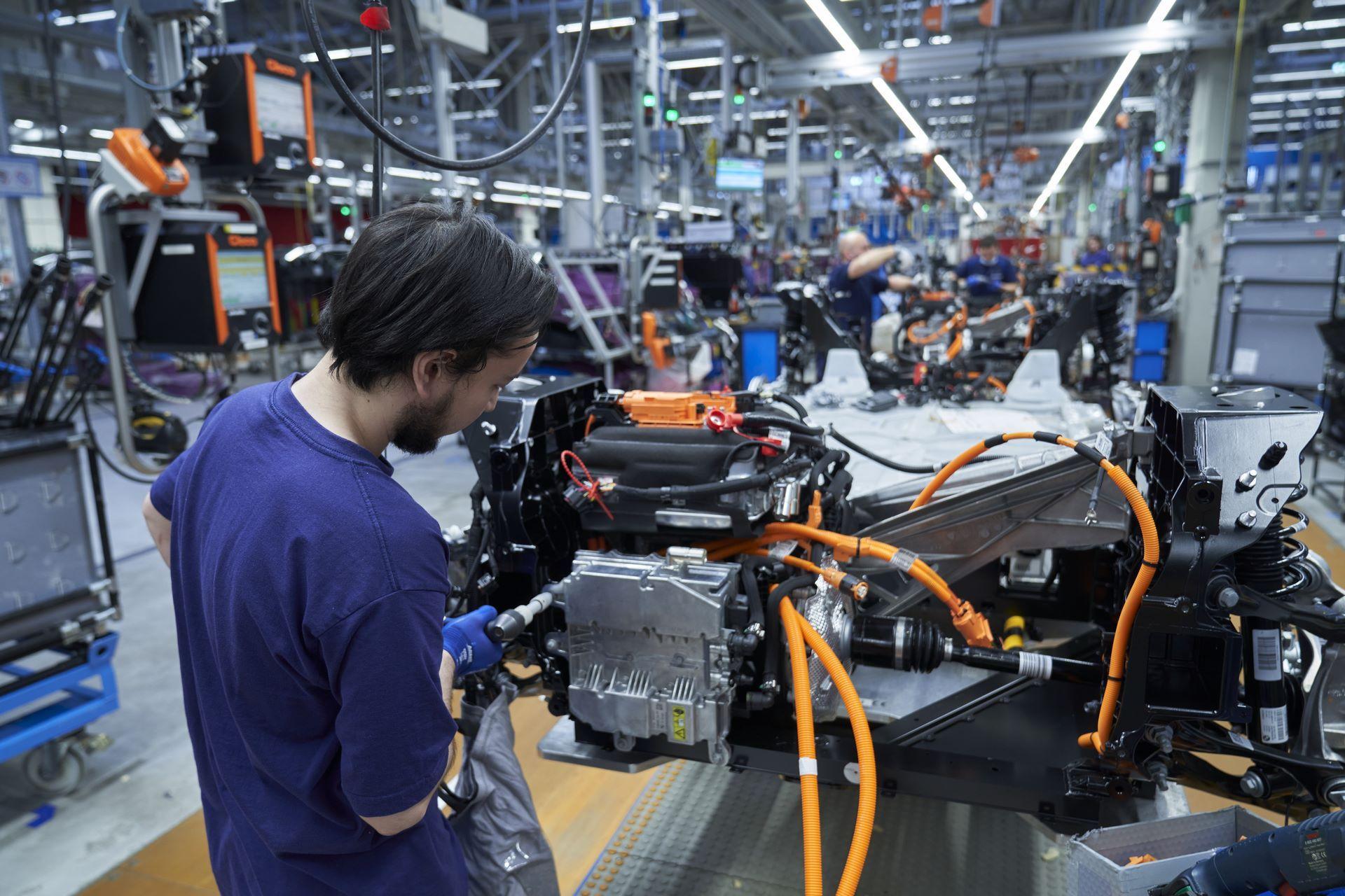 BMW-i8-plant-production-73