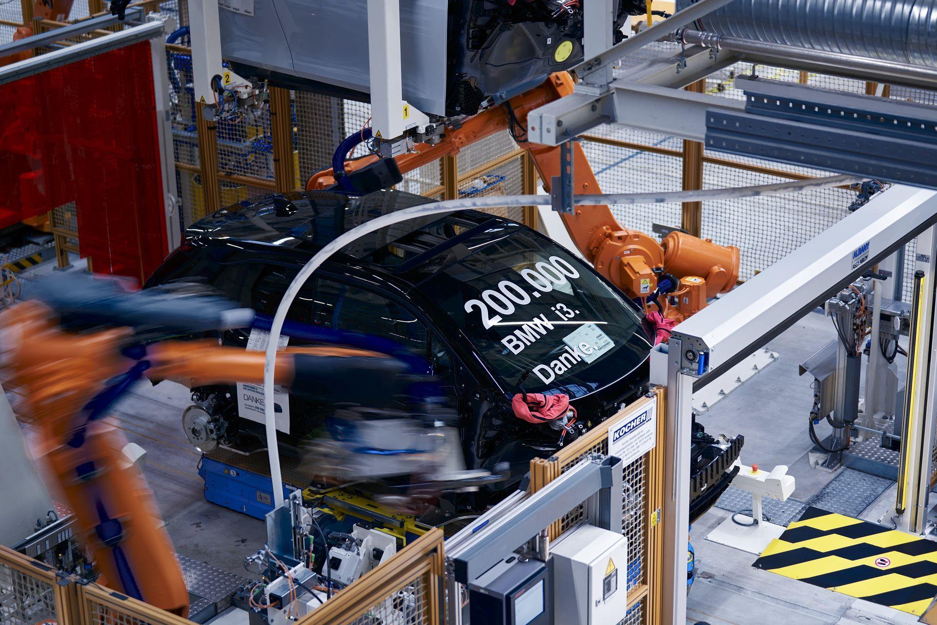 BMW-i8-plant-production-83