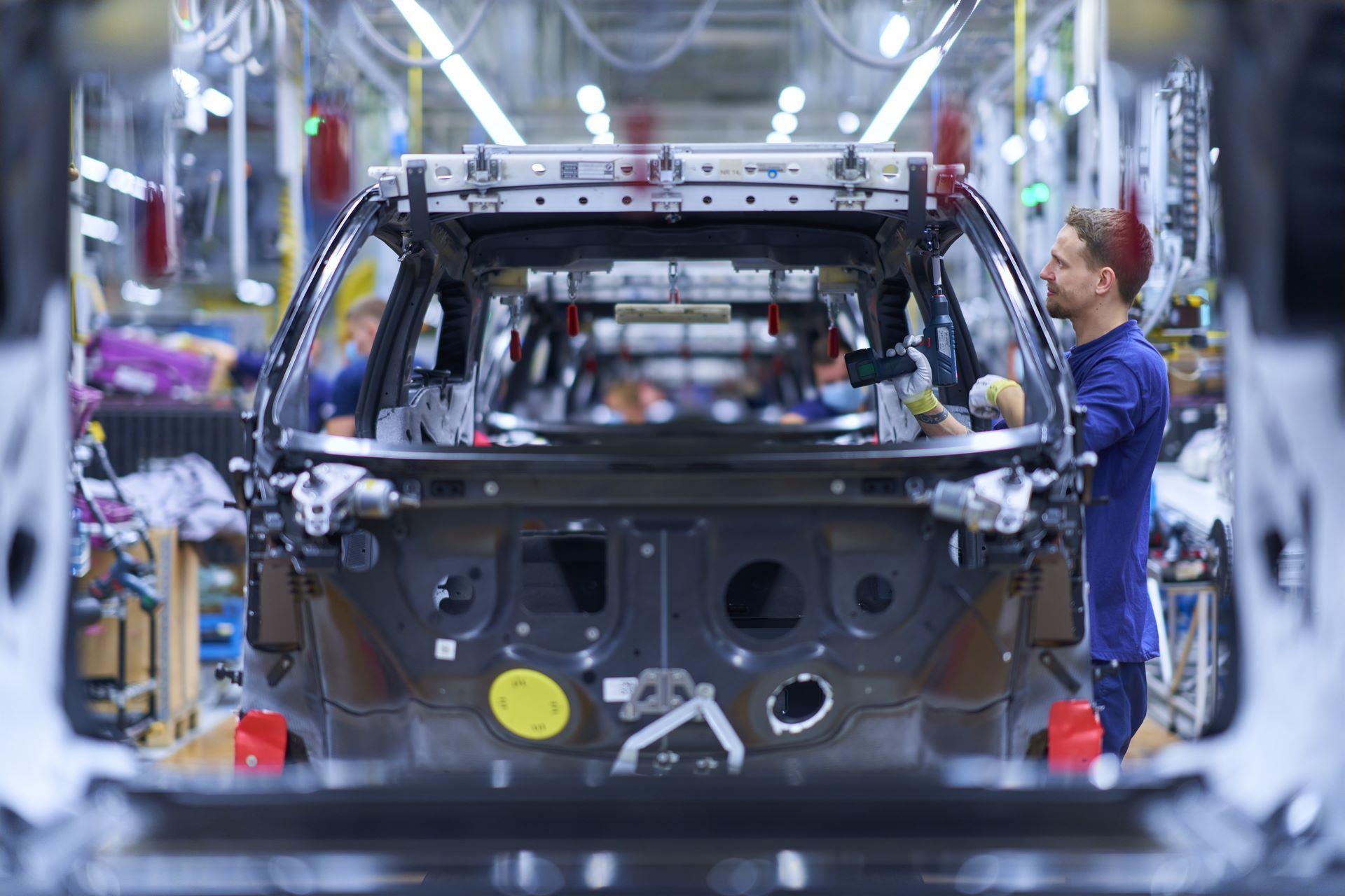 BMW-i8-plant-production-9