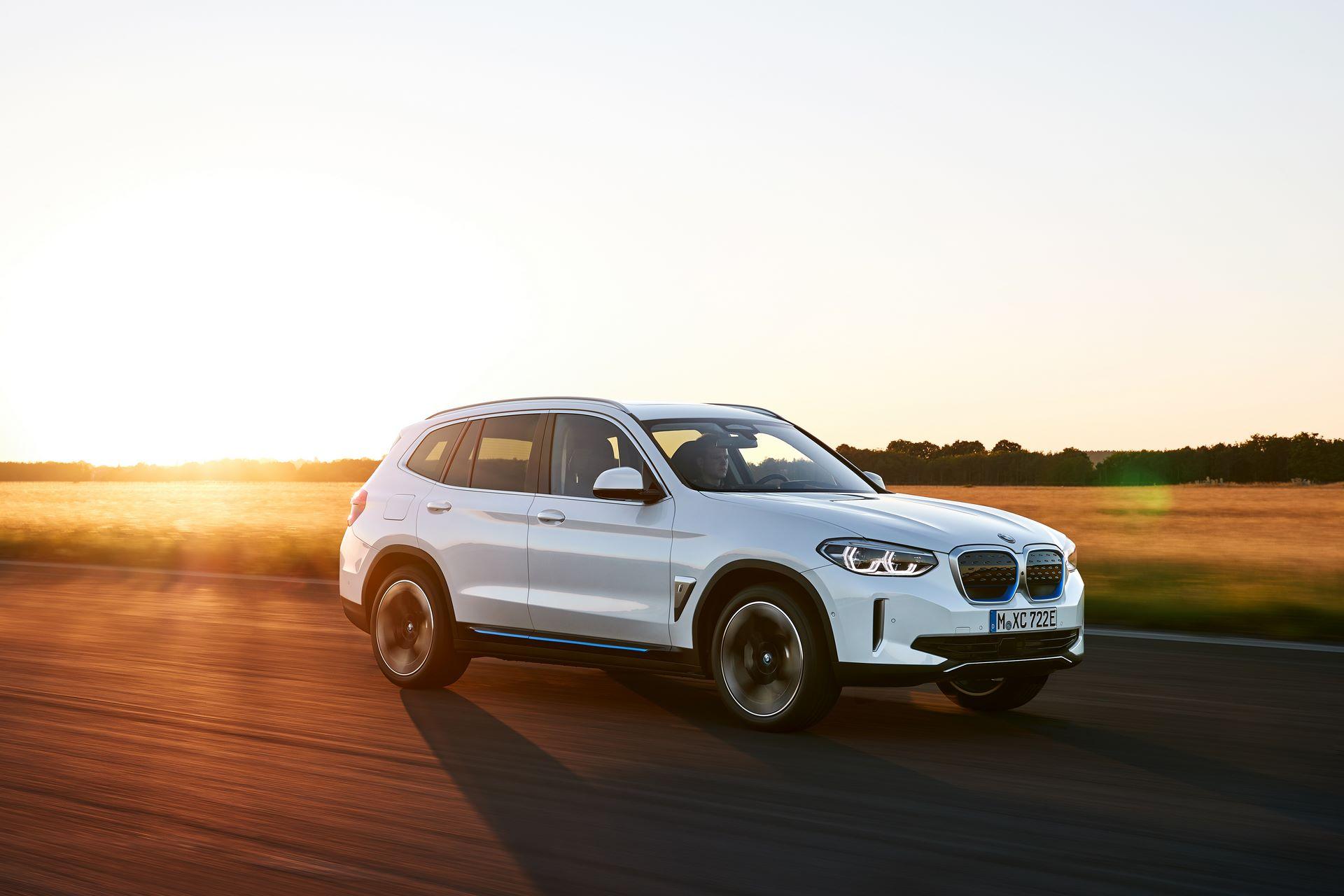 BMW-iX3-1