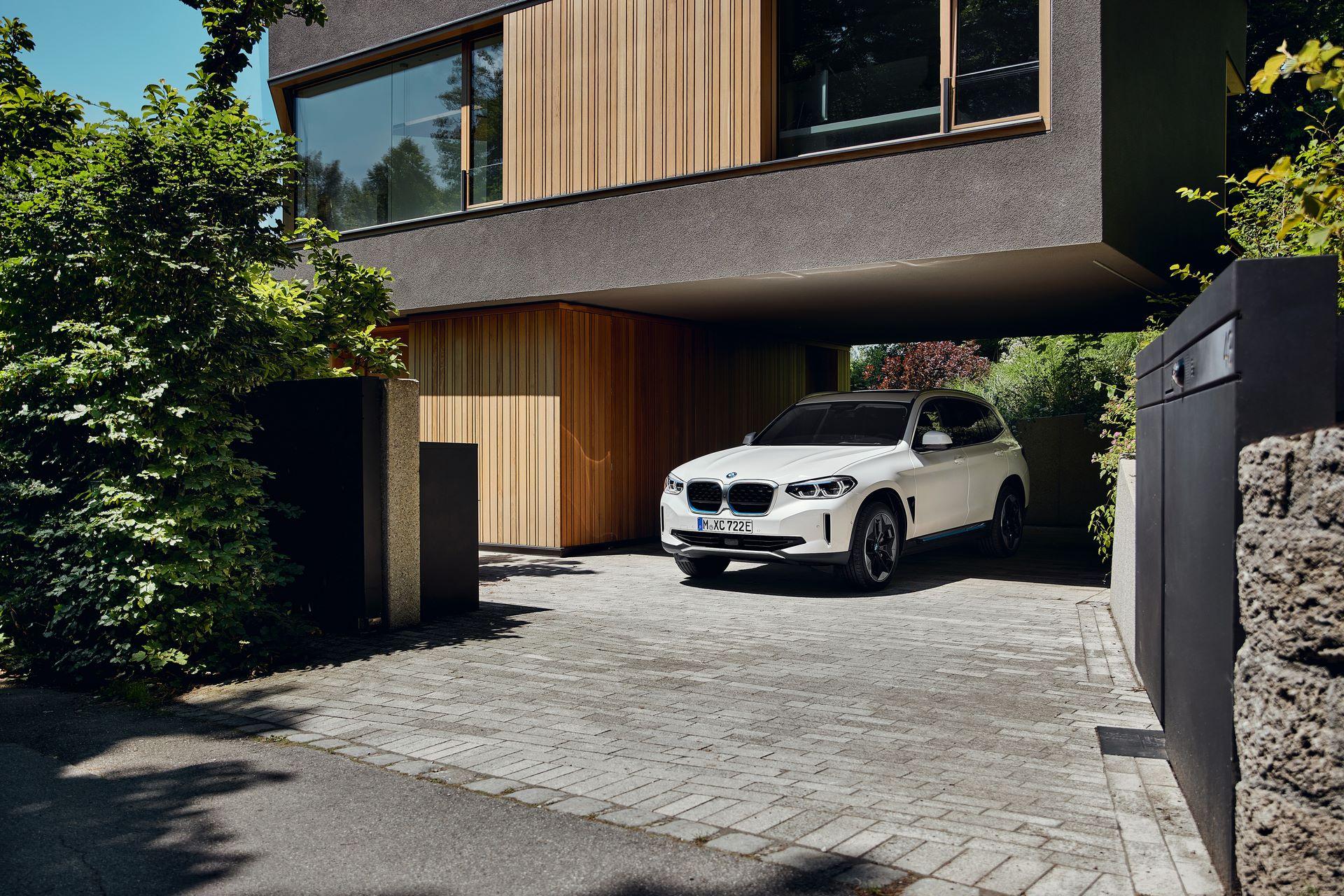 BMW-iX3-22