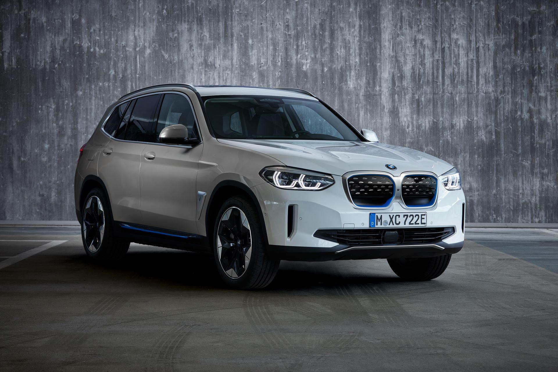 BMW-iX3-28