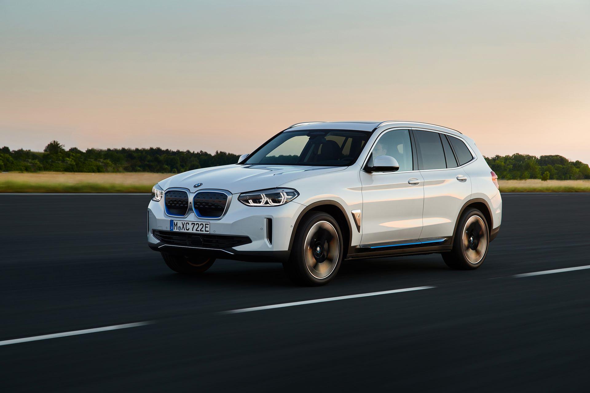 BMW-iX3-3