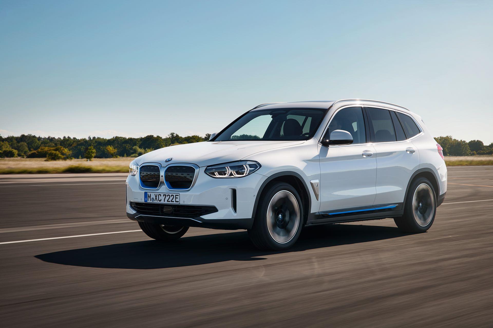 BMW-iX3-5