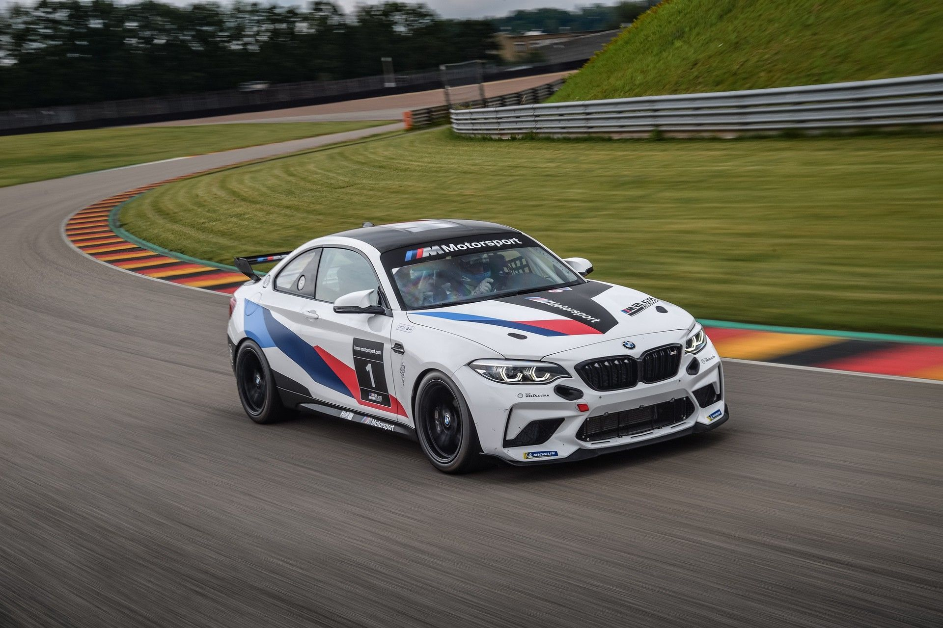 M2_CS_Racing_0005