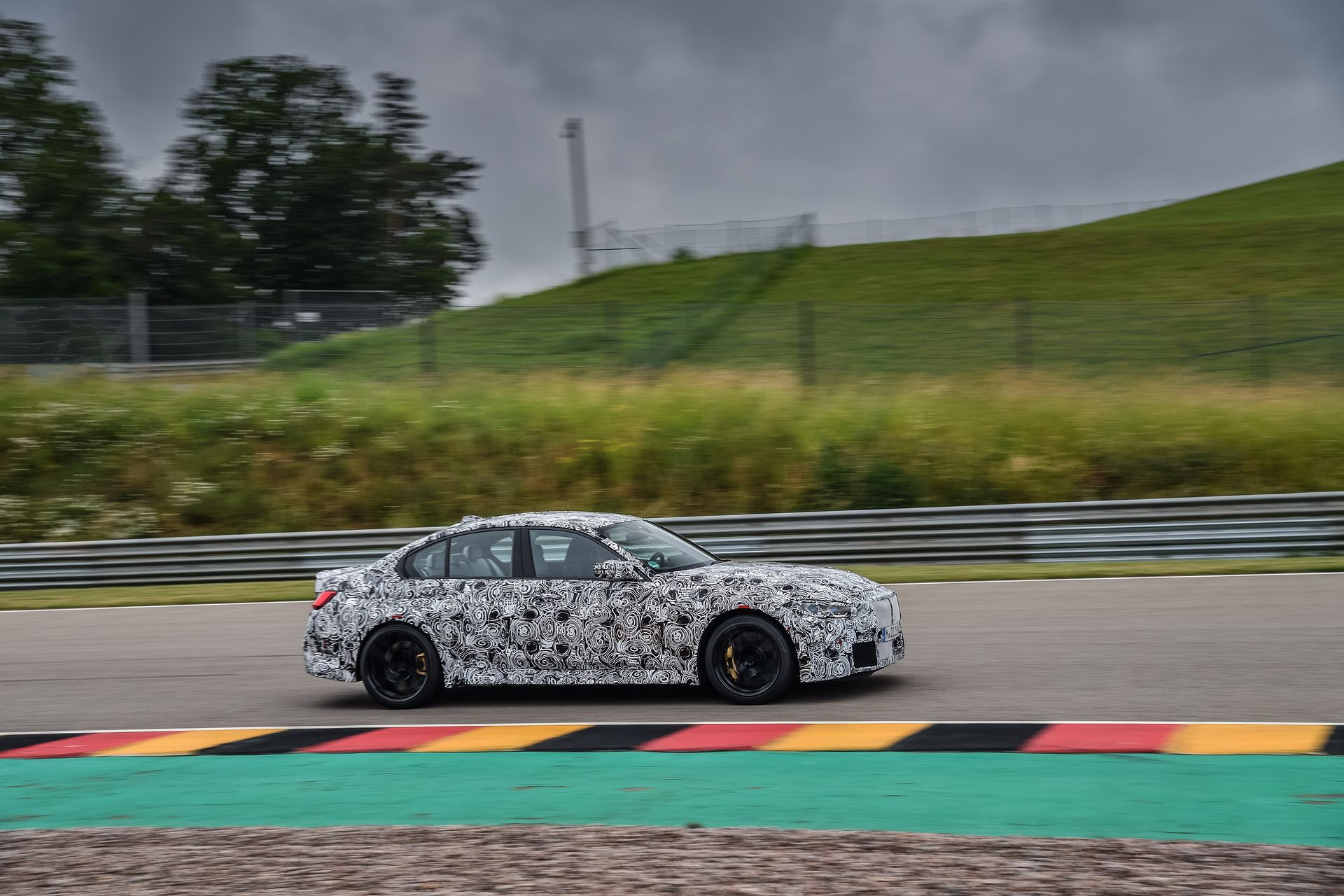 BMW-M3-and-M4-2020-tests-11
