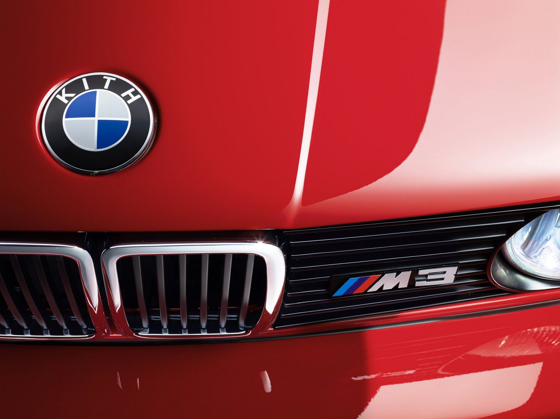 BMW-M3-E30-Ronnie-Fieg-Edition-και-M4-Kith-Concept-12