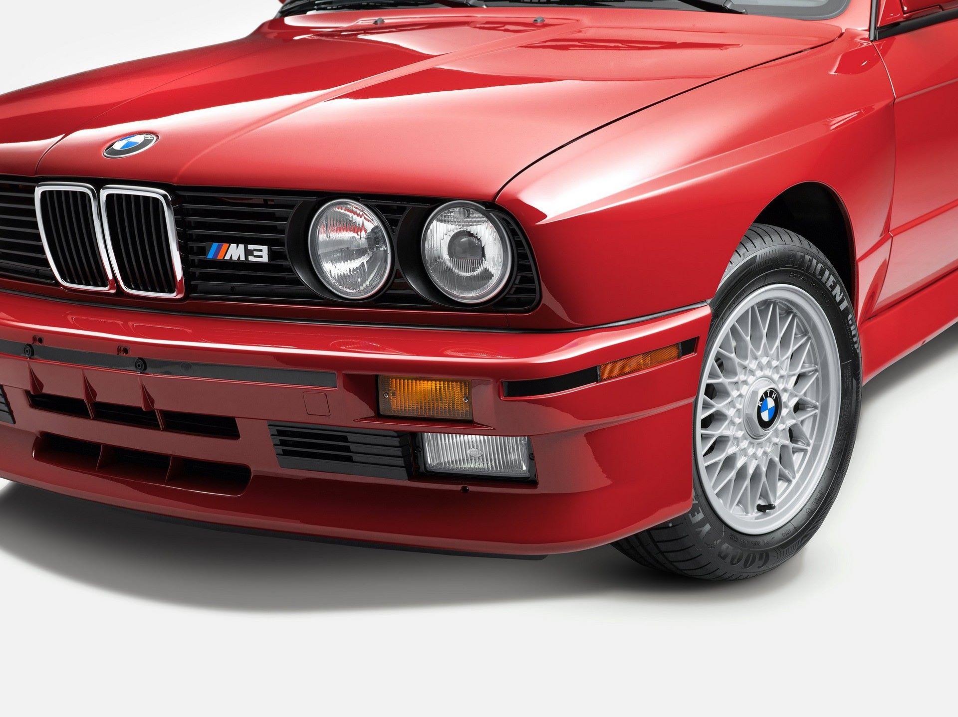 BMW-M3-E30-Ronnie-Fieg-Edition-και-M4-Kith-Concept-9