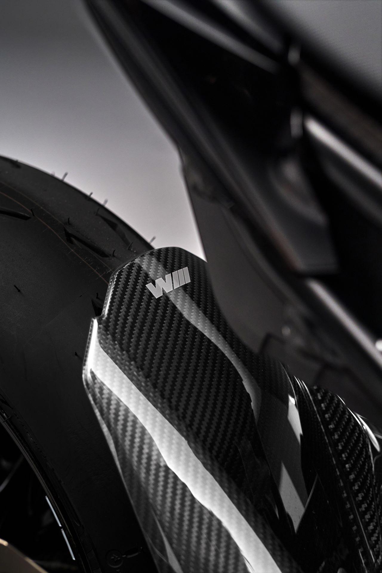 BMW-M-1000-RR-12