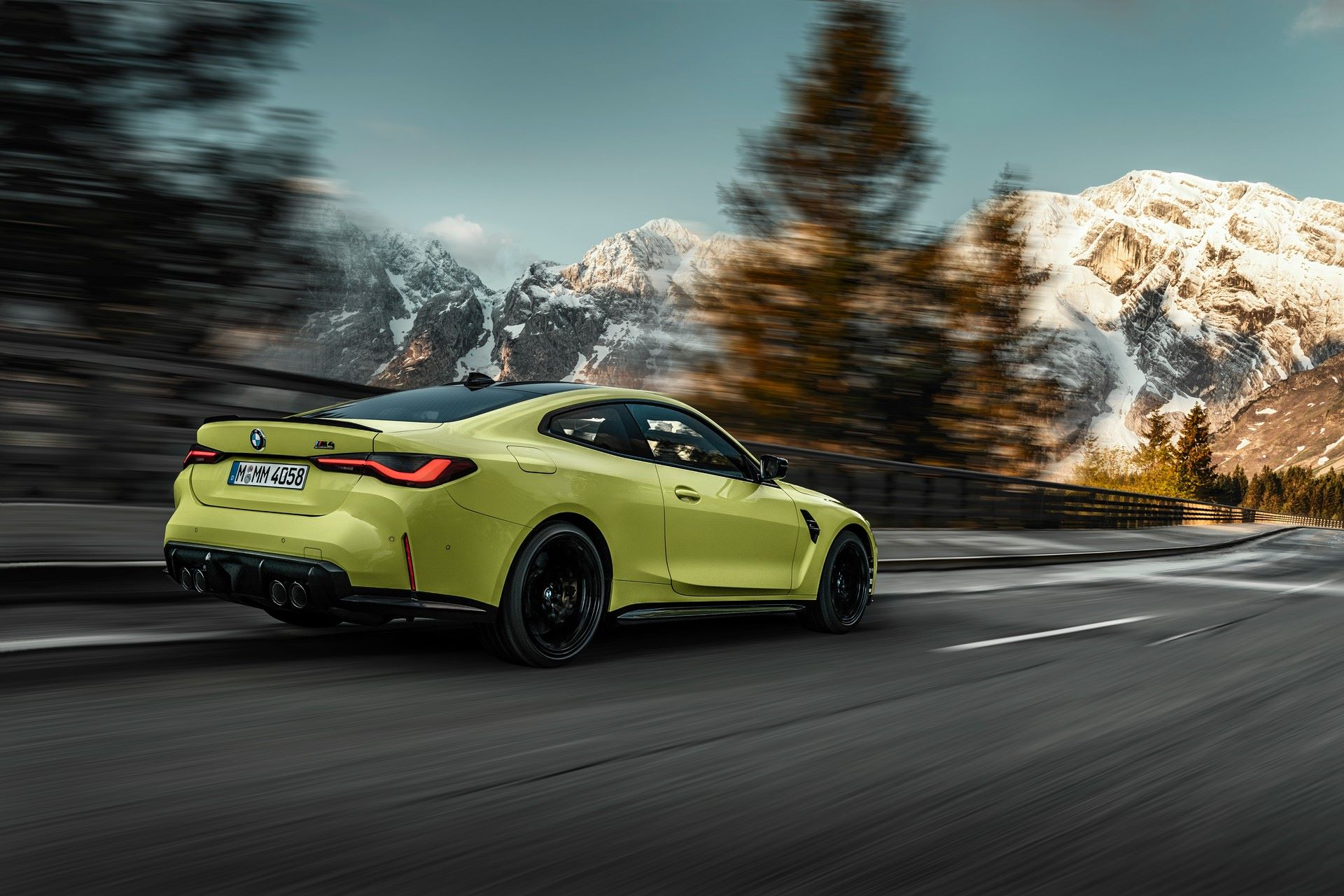 BMW-M3-And-M4-2021-26