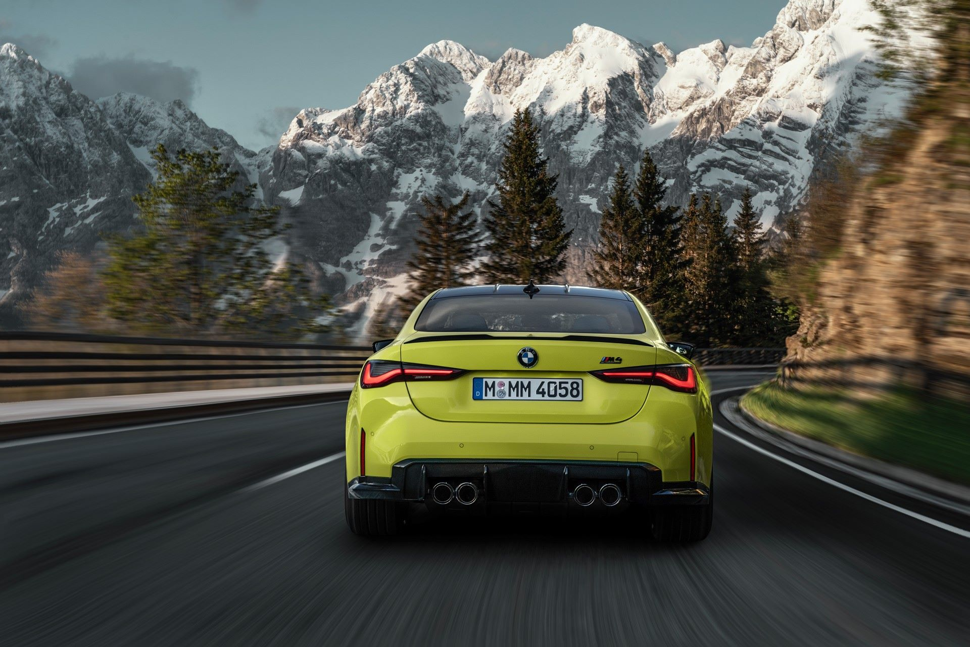 BMW-M3-And-M4-2021-27