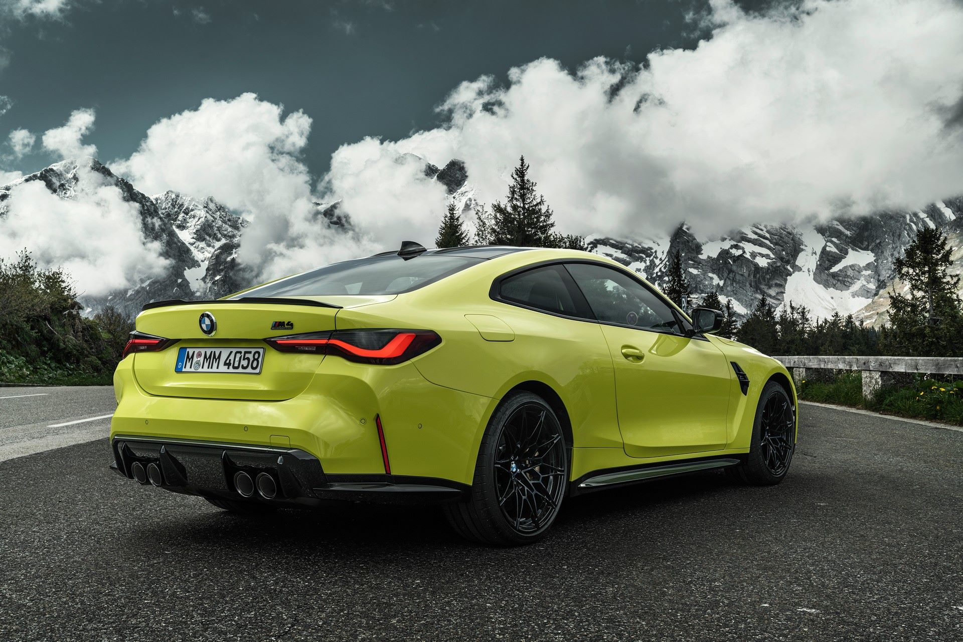 BMW-M3-And-M4-2021-33
