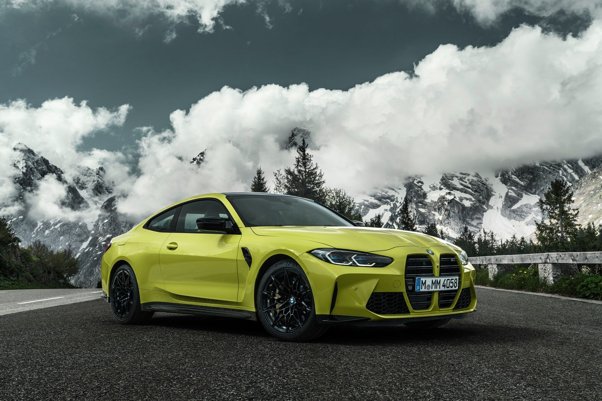 BMW-M3-And-M4-2021-34