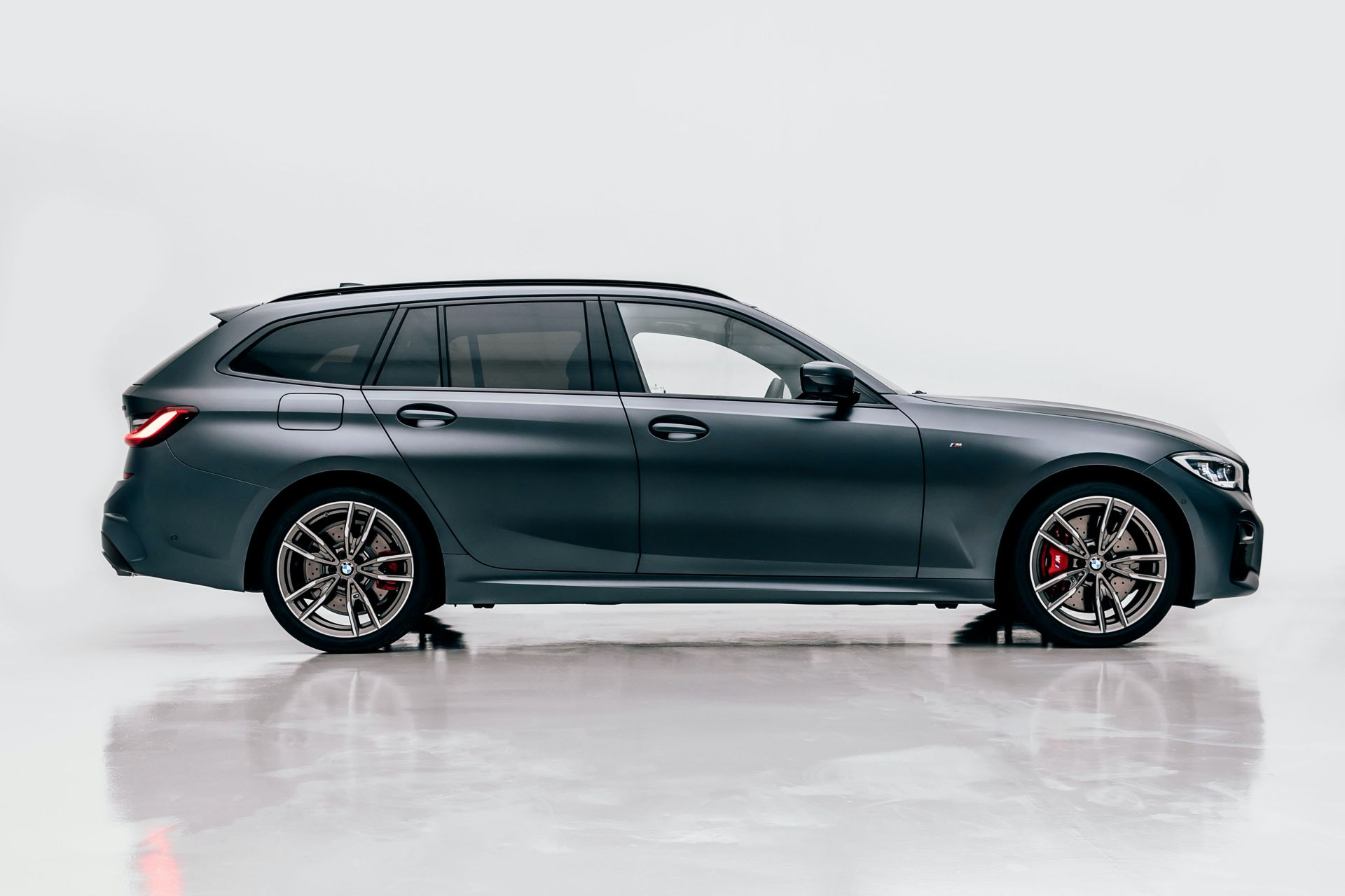 2020-BMW-M340i-xDrive-Touring-First-Edition-25
