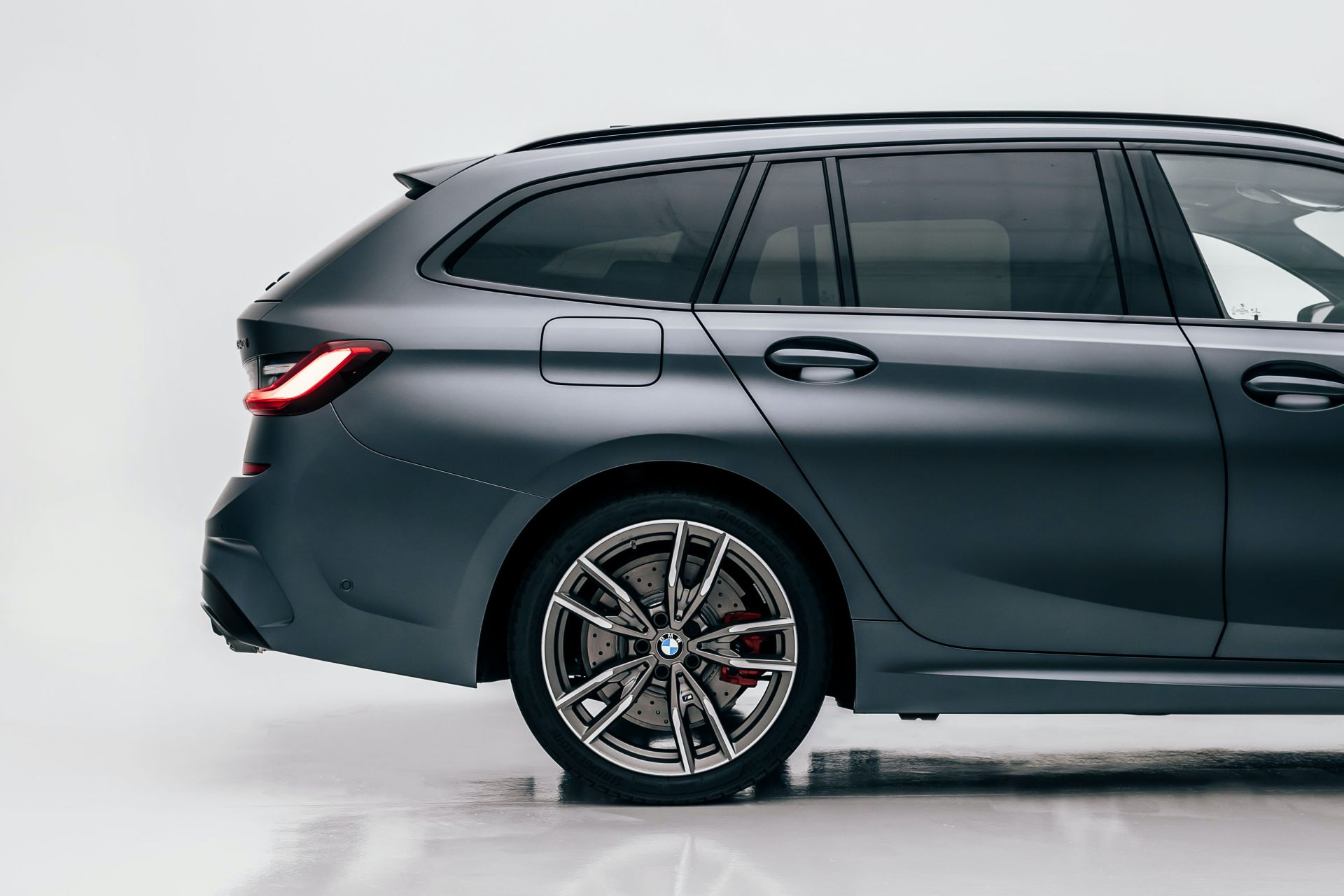 2020-BMW-M340i-xDrive-Touring-First-Edition-26