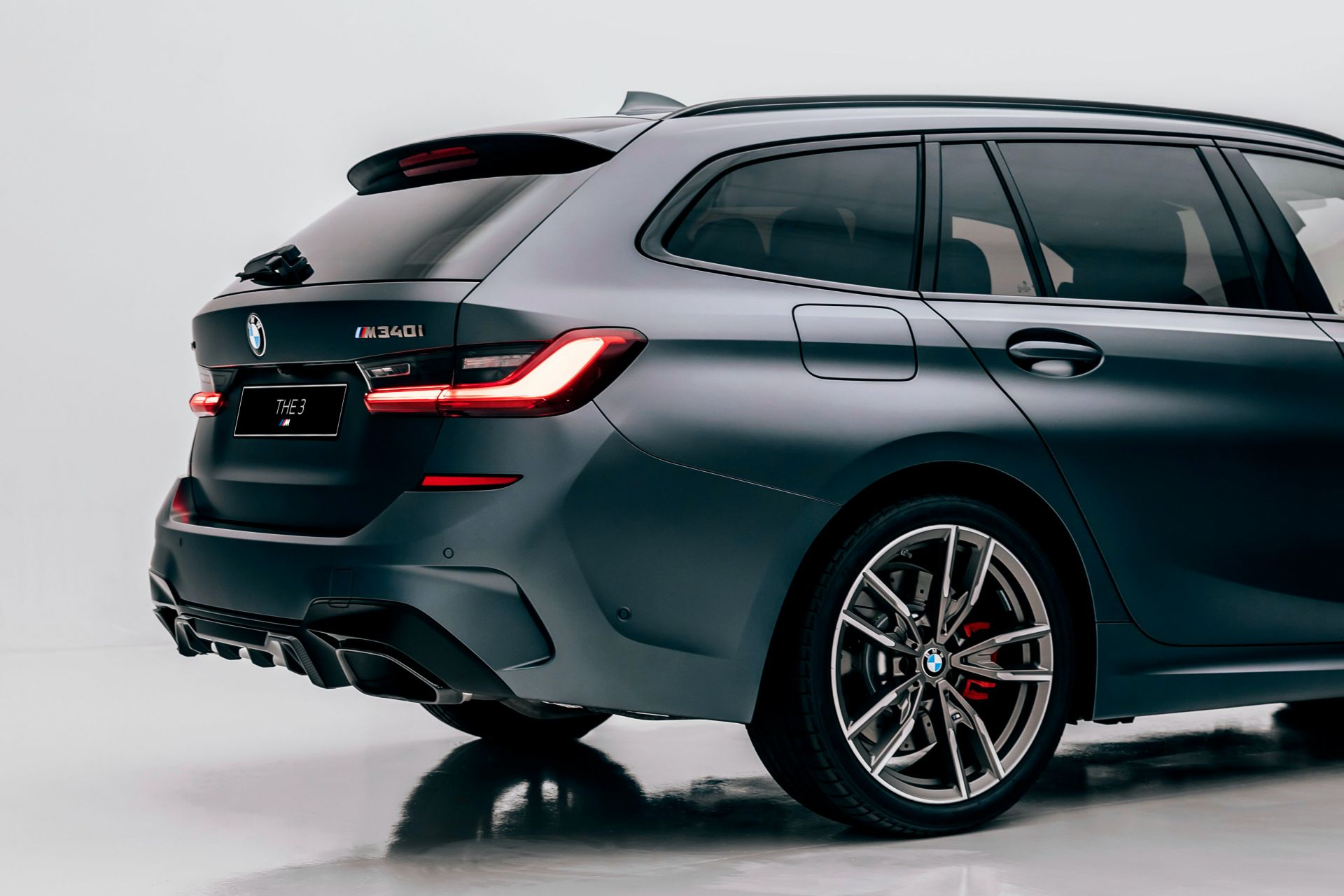 2020-BMW-M340i-xDrive-Touring-First-Edition-27
